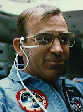 Astronaut John Fabian, NASA photo (June 1983)Source: Wikipedia (NASA site unavailable January 2019) Fabian_nasa.jpg