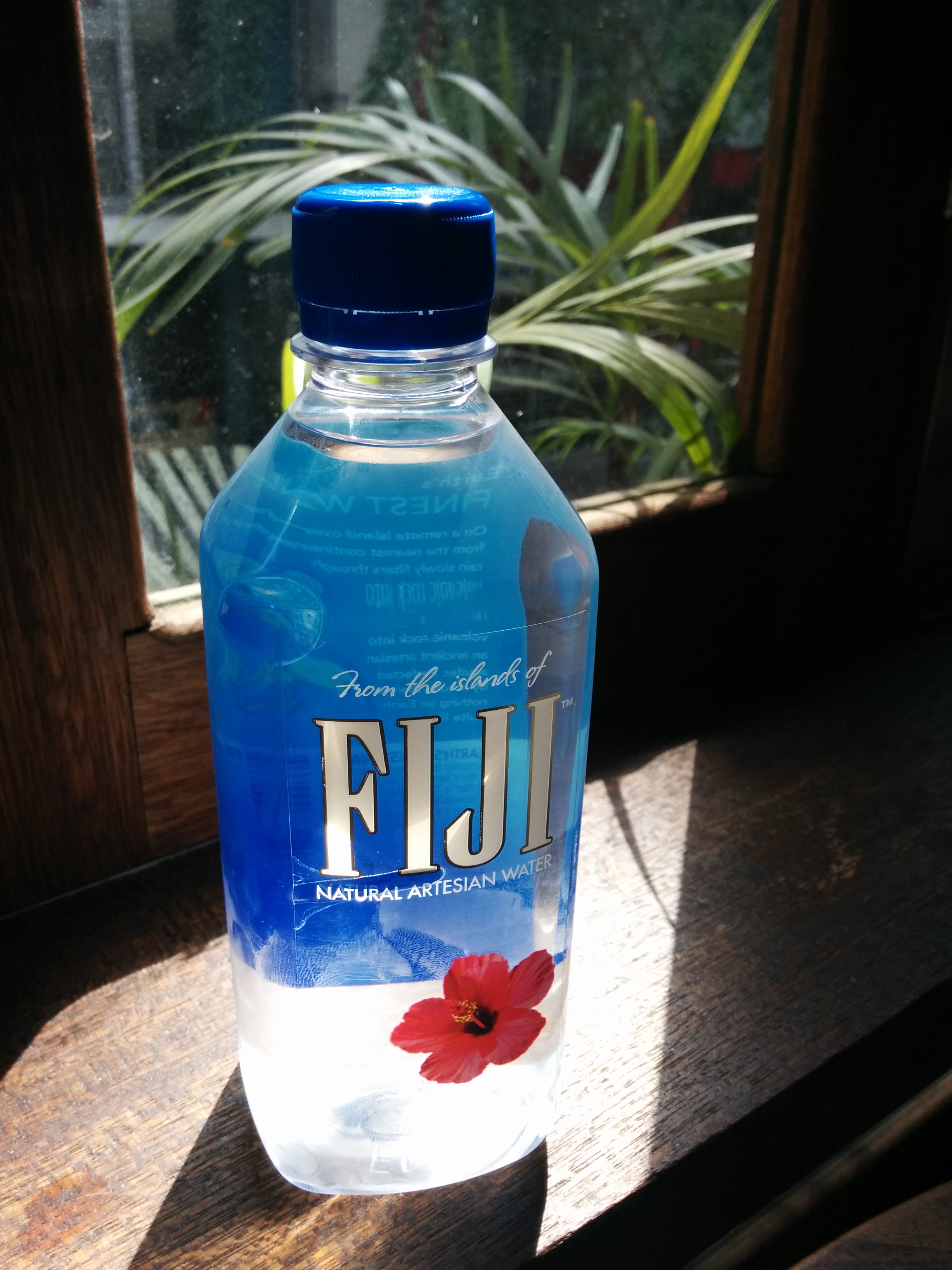 File Fiji Water Bottle Jpg Wikimedia Commons