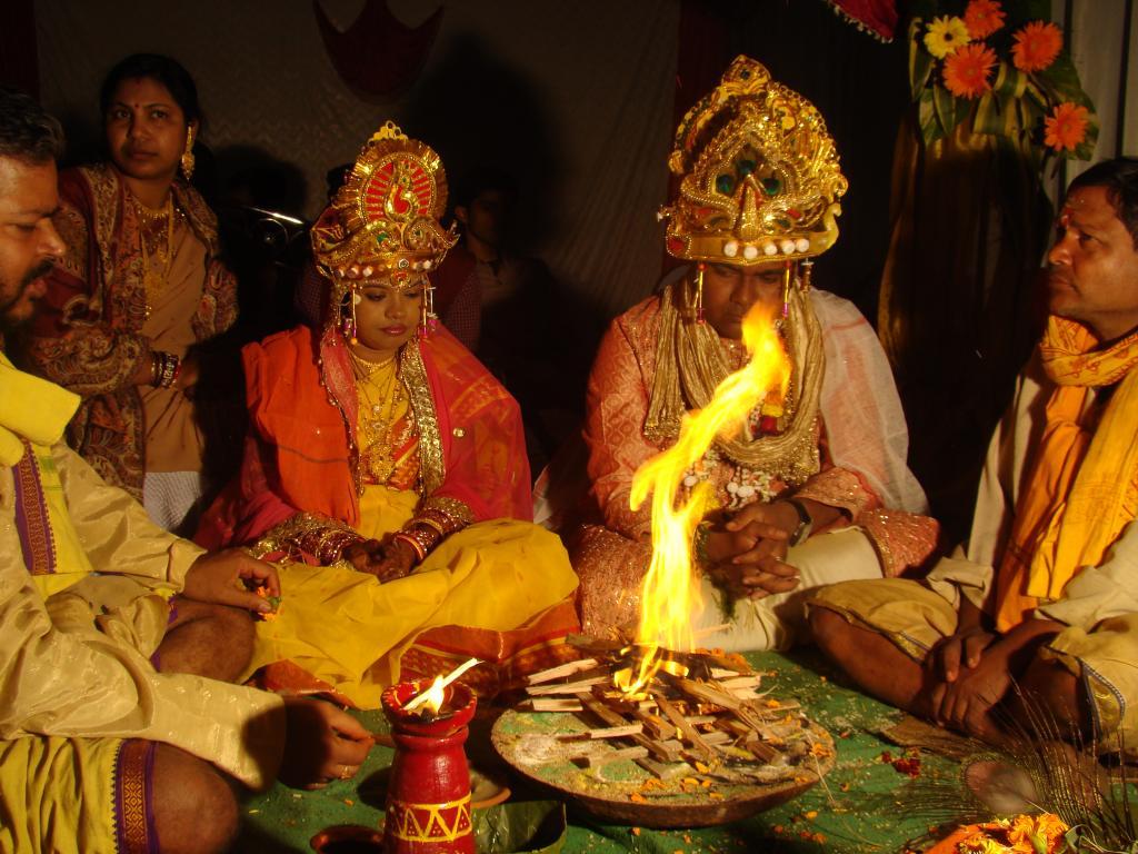 FileFire Rituals At A Hindu Wedding Orissa India