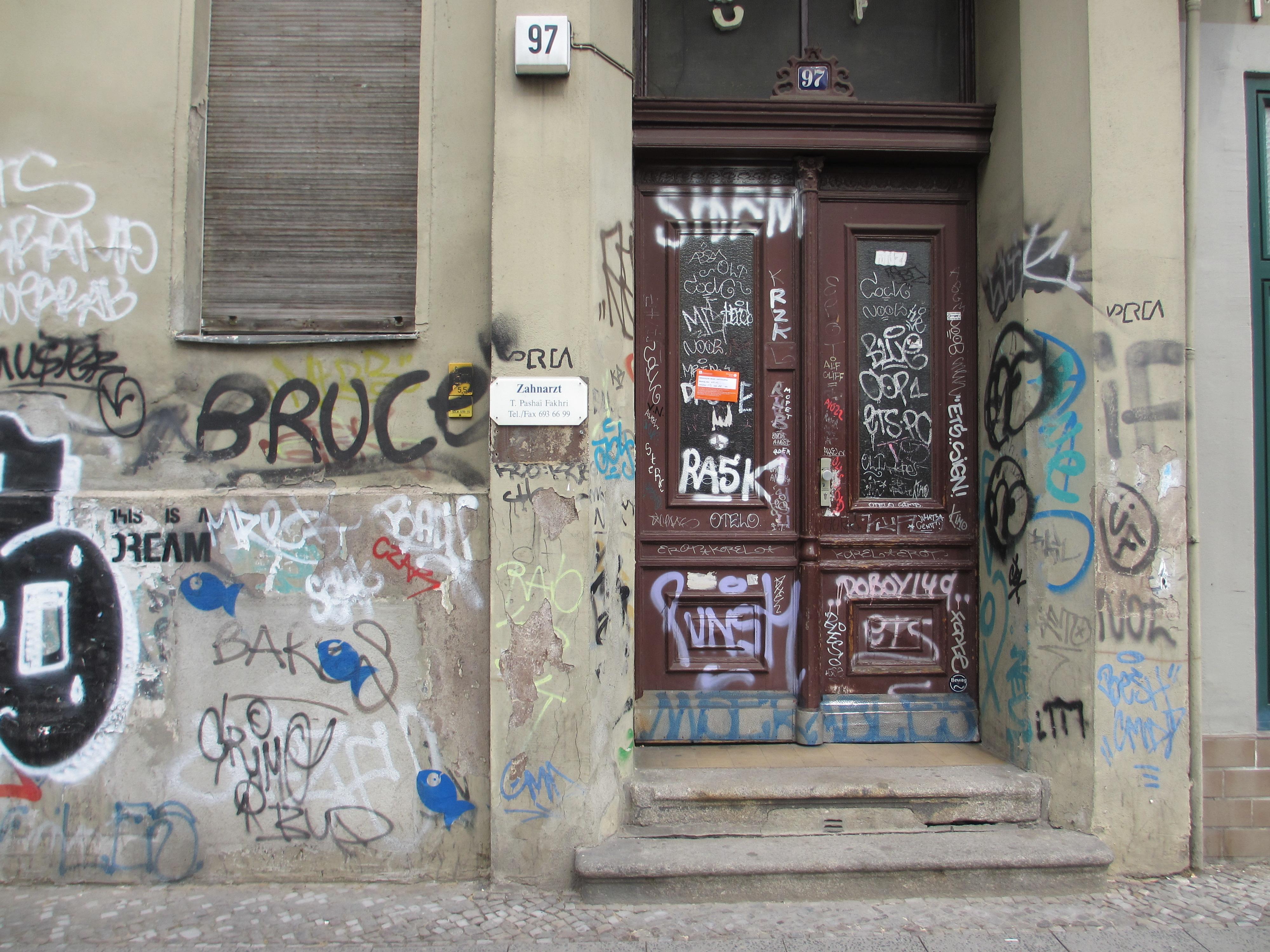 FileGraffiti City Door.JPG & File:Graffiti City Door.JPG - Wikimedia Commons