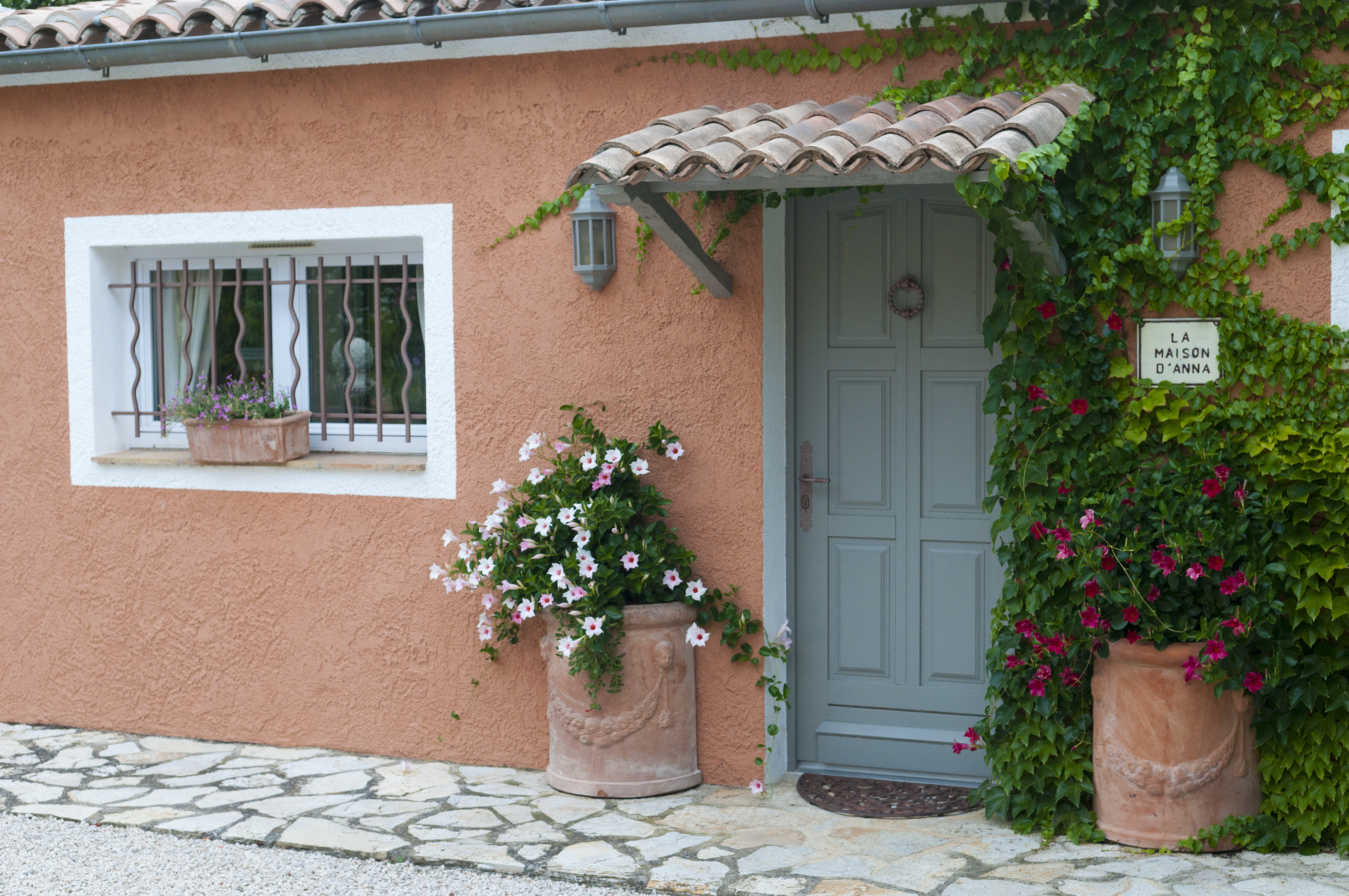 File holiday home provence france 6052487203 jpg for Provence home