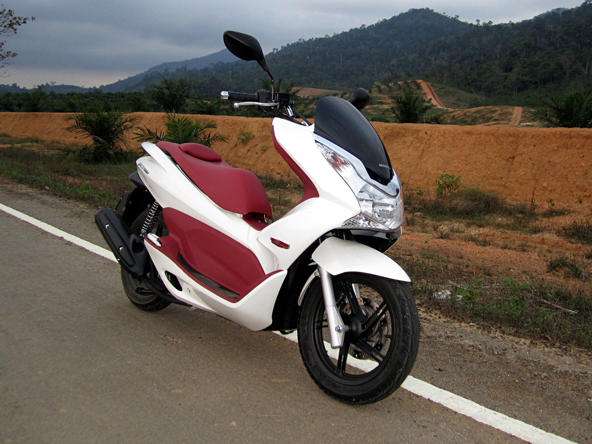 File Honda Pcx150 2013 4 Jpg Wikimedia Commons