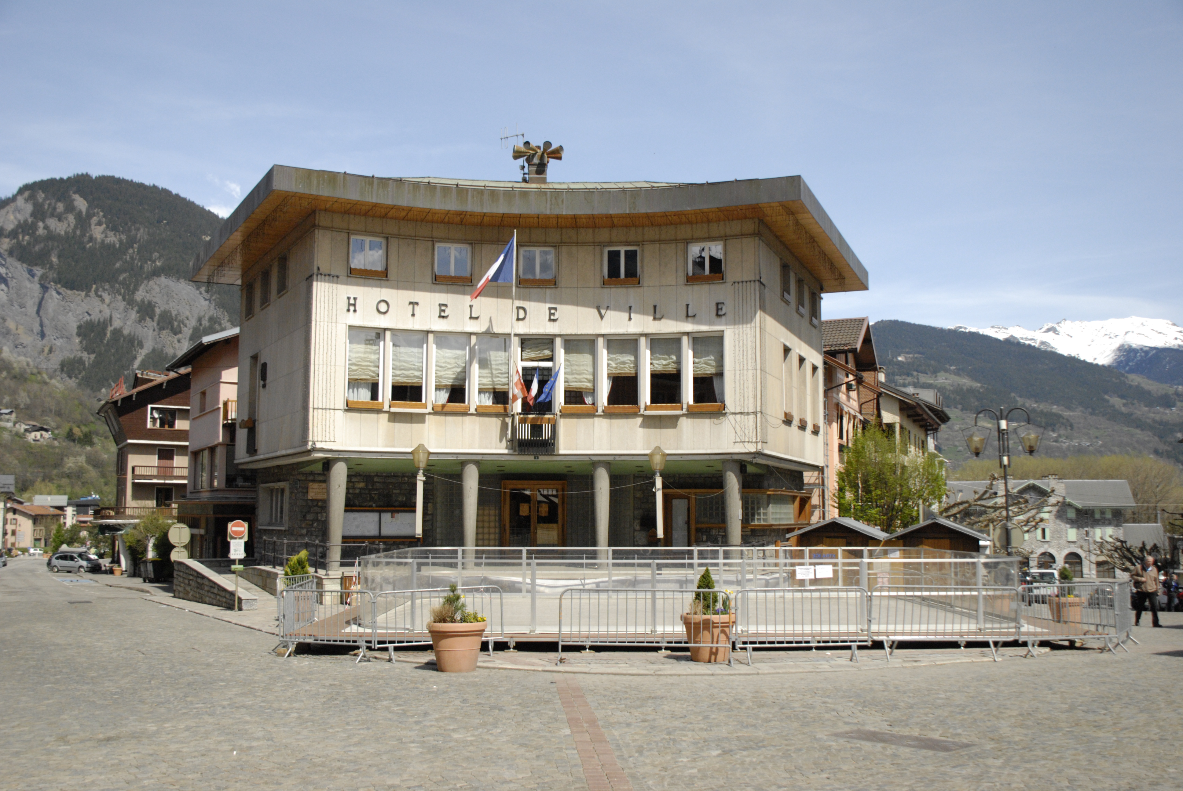 file hotel de ville bourg saint maurice jpg wikimedia