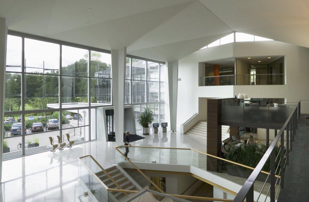 File:Interieur, overzicht van de centrale hal gezien vanaf het ...