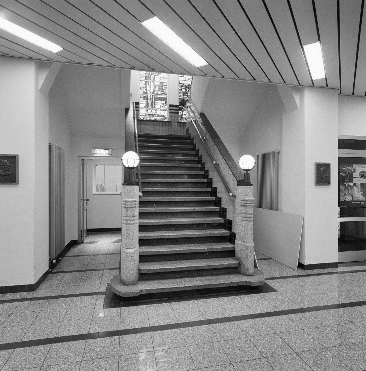 Bestand interieur trappenhuis trappartij met for Interieur rotterdam