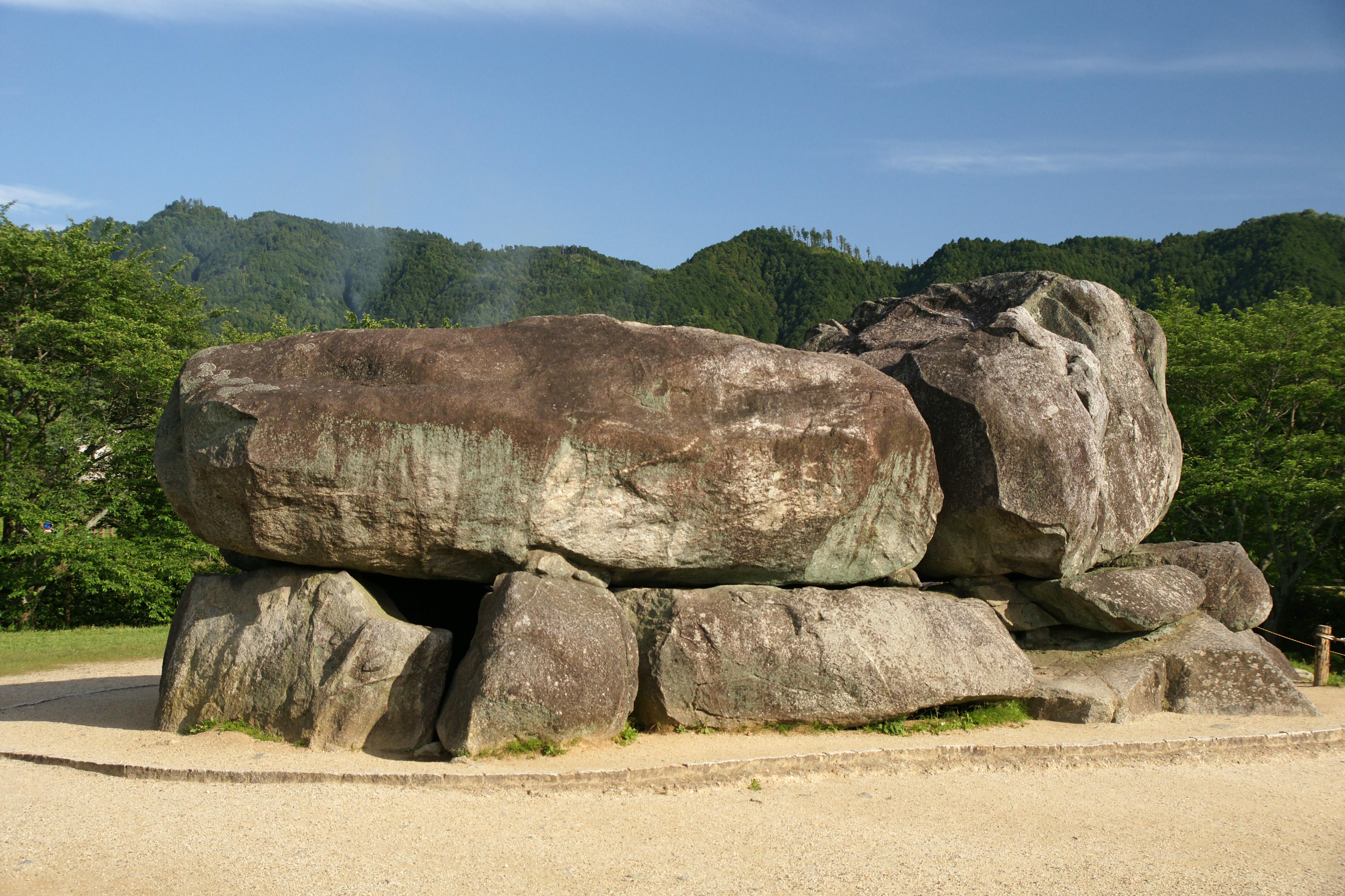 http://upload.wikimedia.org/wikipedia/commons/c/c7/Ishibutai-kofun_Asuka_Nara_pref05n4592.jpg