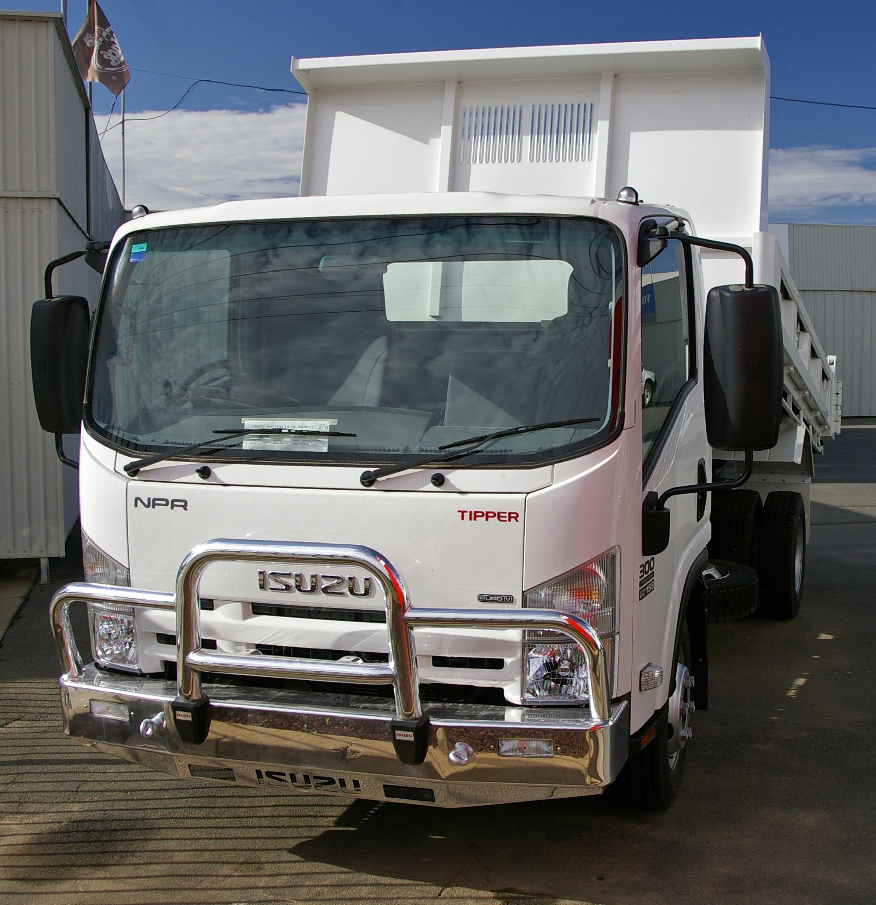 Isuzu Dump Truck Npr