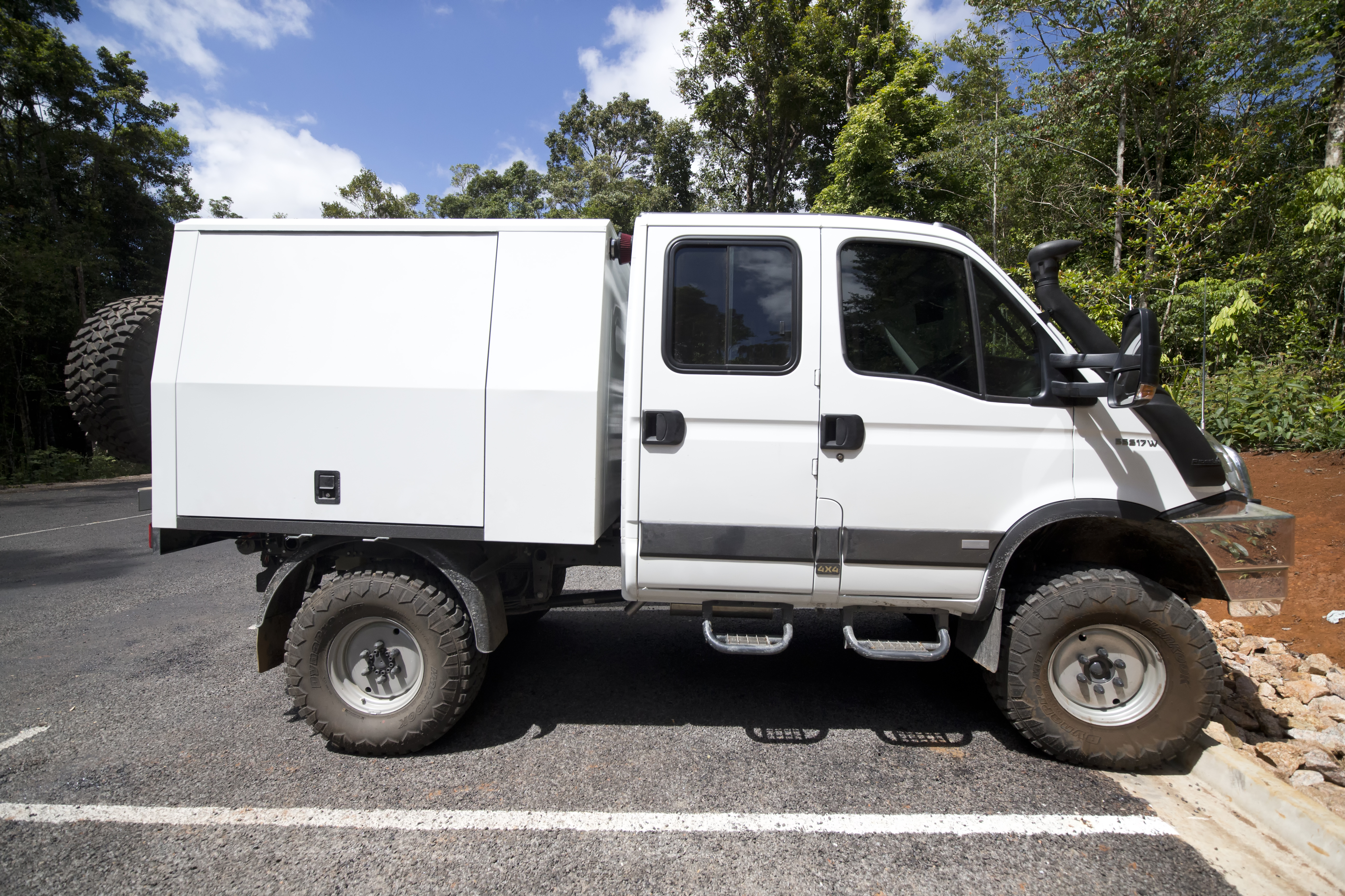 File Iveco Daily 4x4 10242995246 Jpg Wikimedia Commons