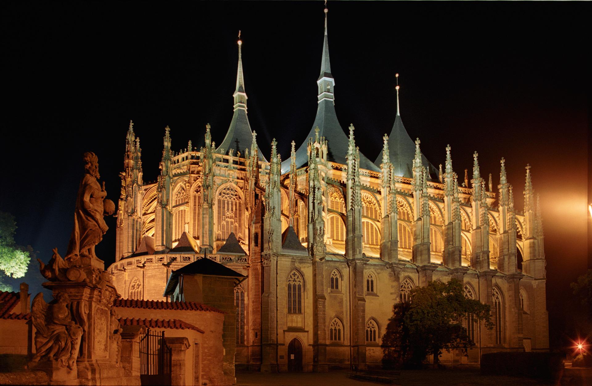 Katedra Św. Barbary wieczorem