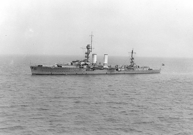 File:Light Cruiser Emden in China 1931.jpg