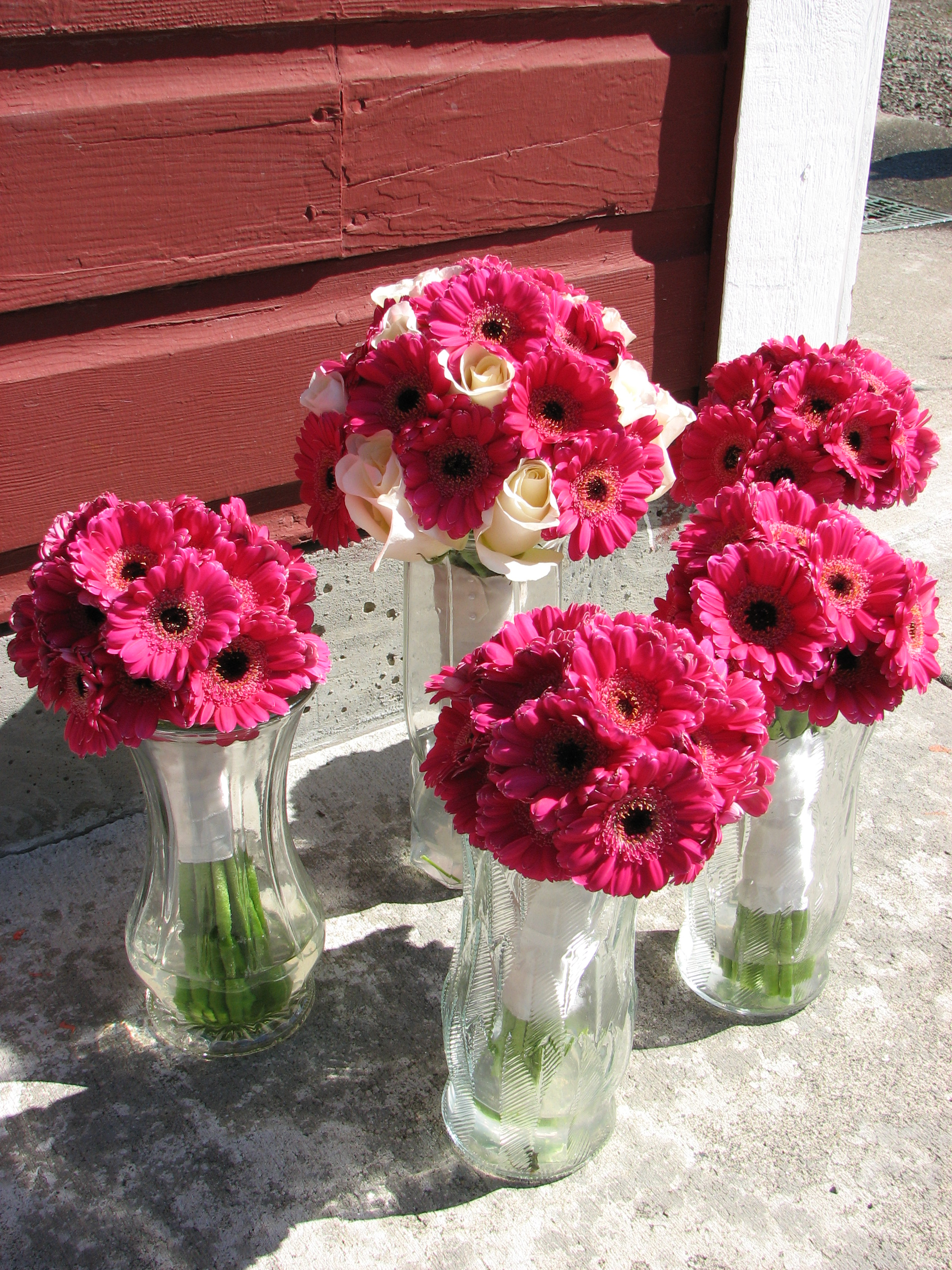File:Magenta wedding bouquets.JPG - Wikimedia Commons