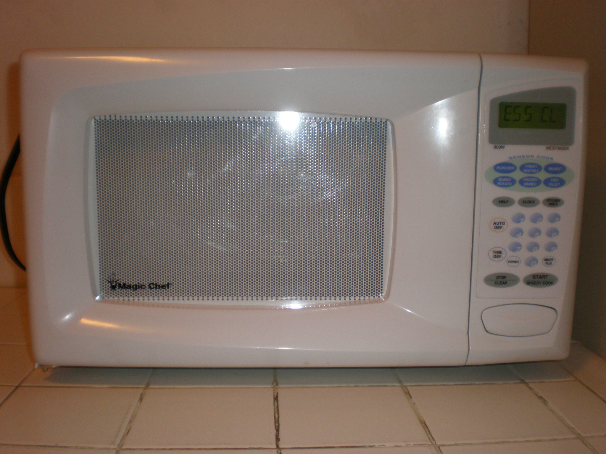 filemagic chef mcd790sw microwave frontjpg - Magic Chef Oven