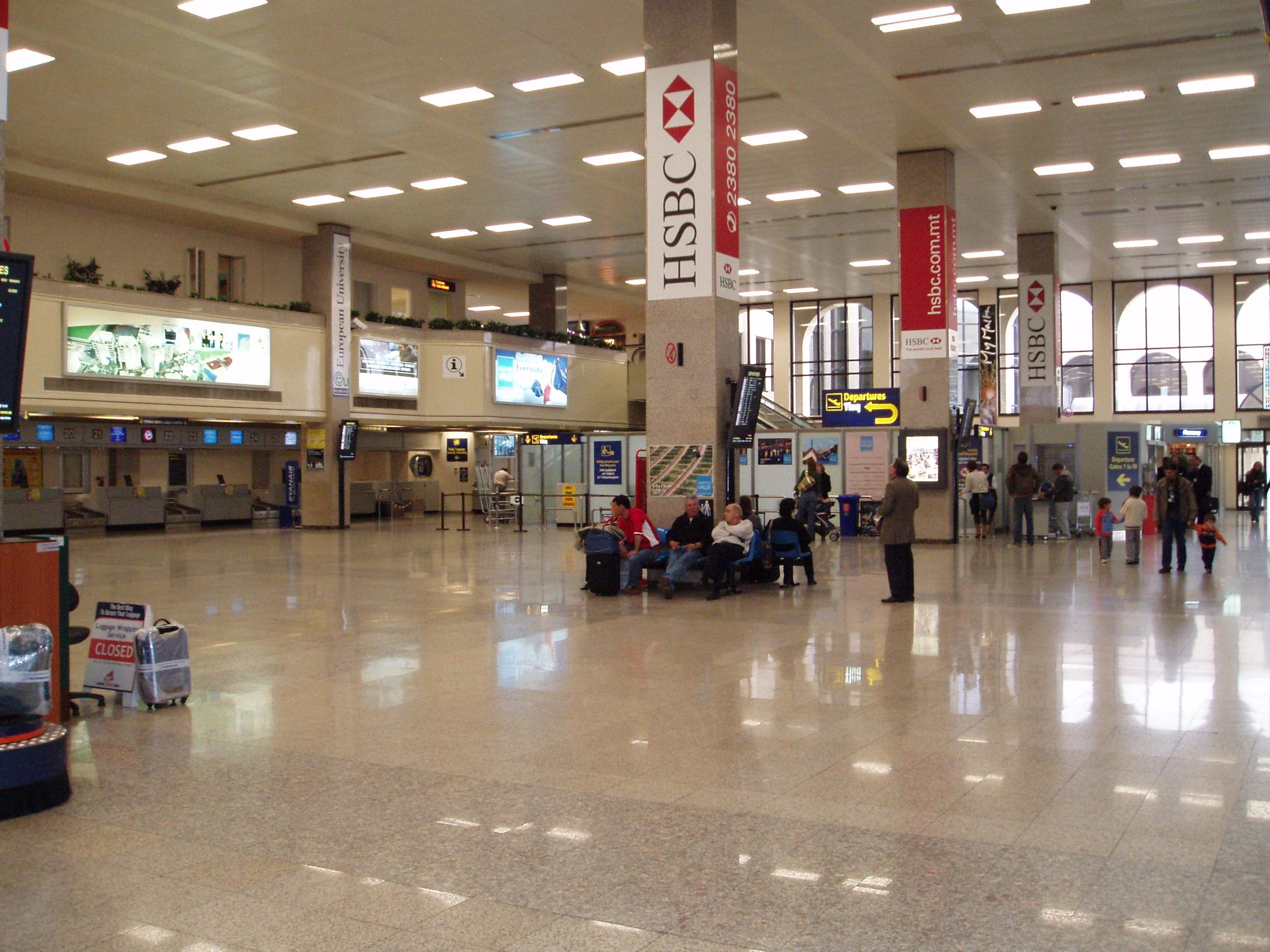 Commons jpg Airport1 File - International malta Wikimedia