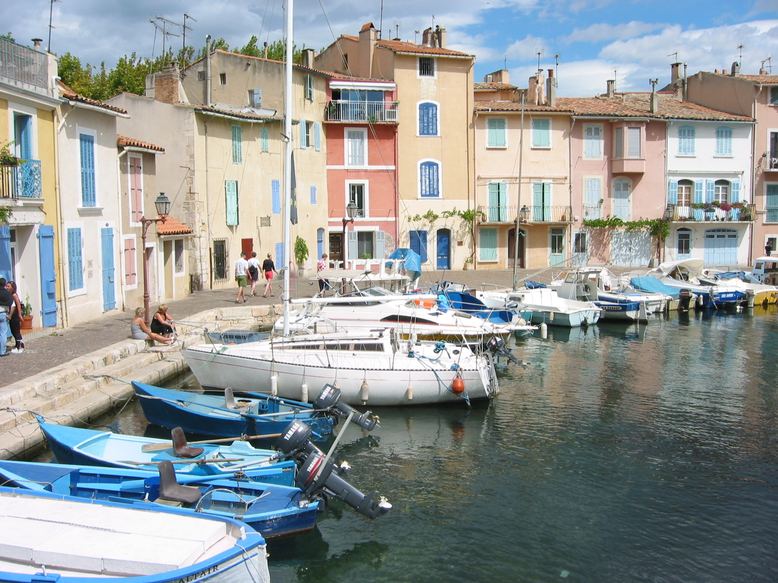 File martigues 4 jpg wikimedia commons for Les bouches du rhone
