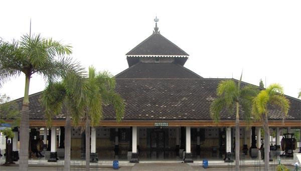 Berkas:Masjid demak.jpg