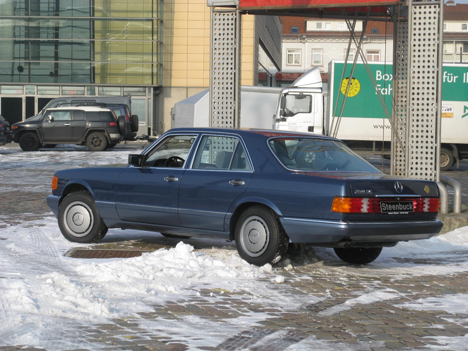 File mercedes benz 260 se w126 12294547306 jpg for Mercedes benz 260