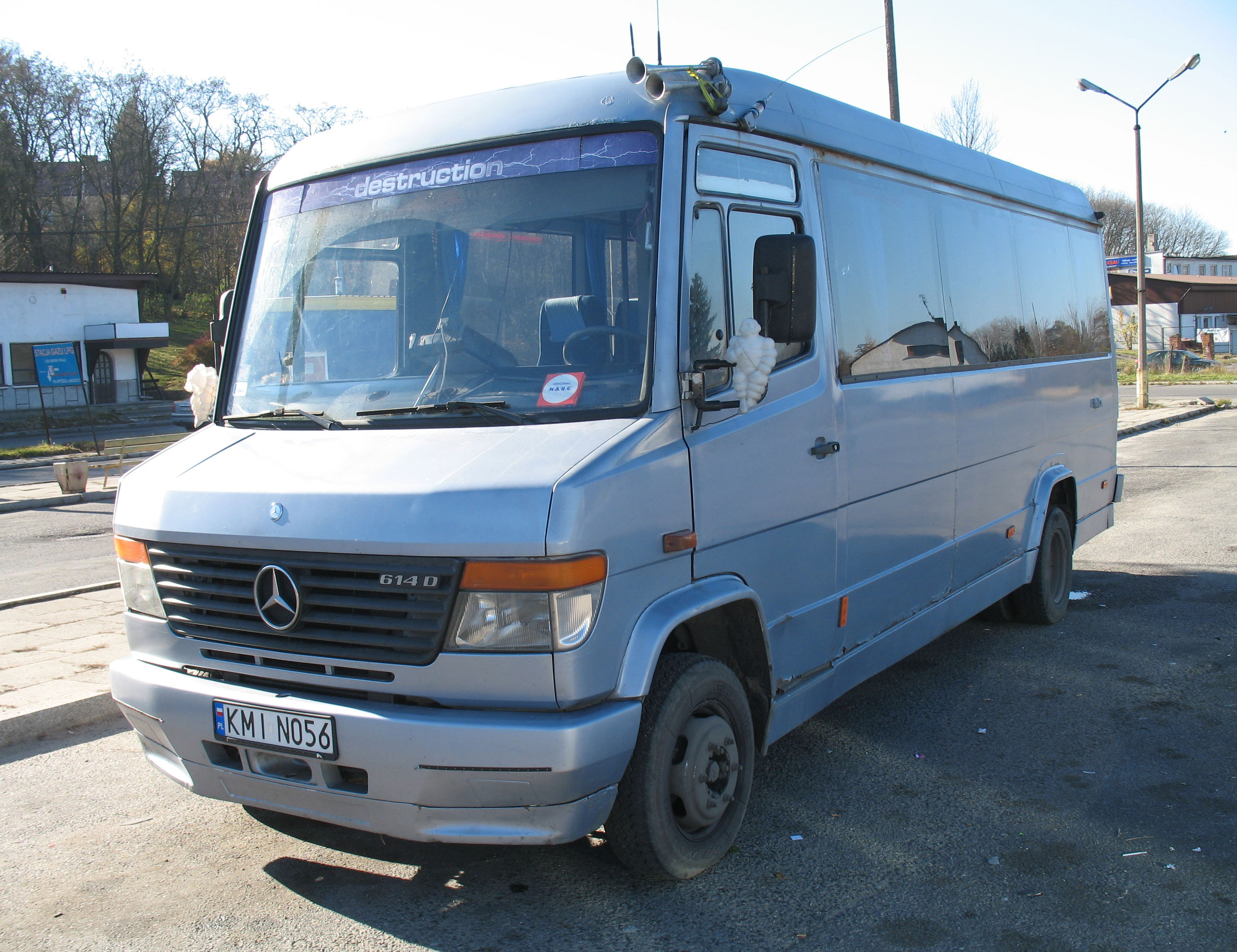 file mercedes benz vario 614d in miech wikimedia