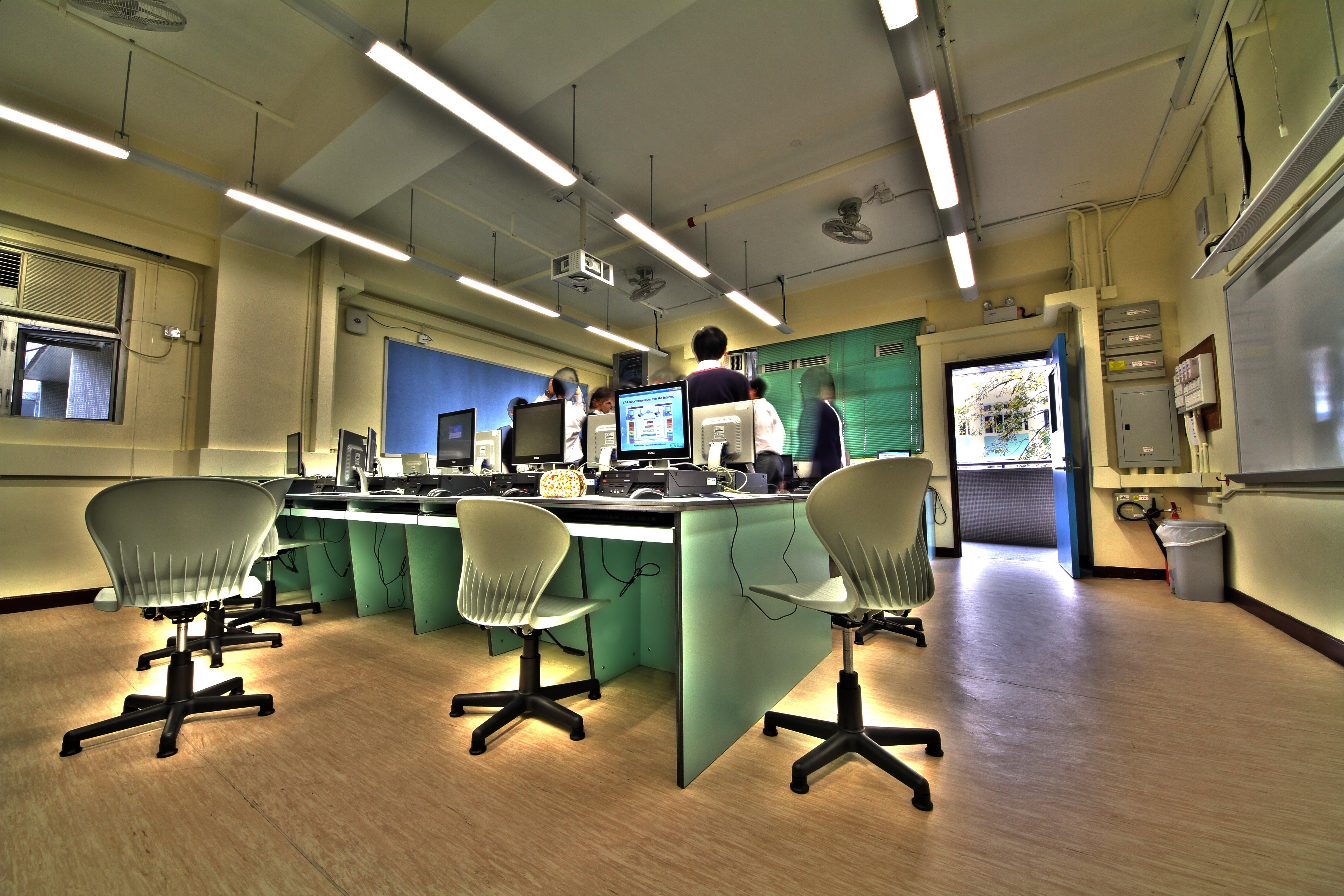 Room Size Computer ew Computer Room.jpg