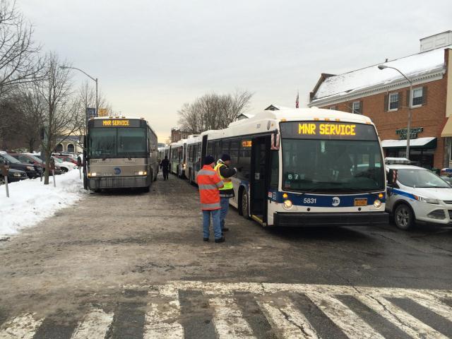 Filemetro North Shuttle Buses 16255259800 2 Jpg