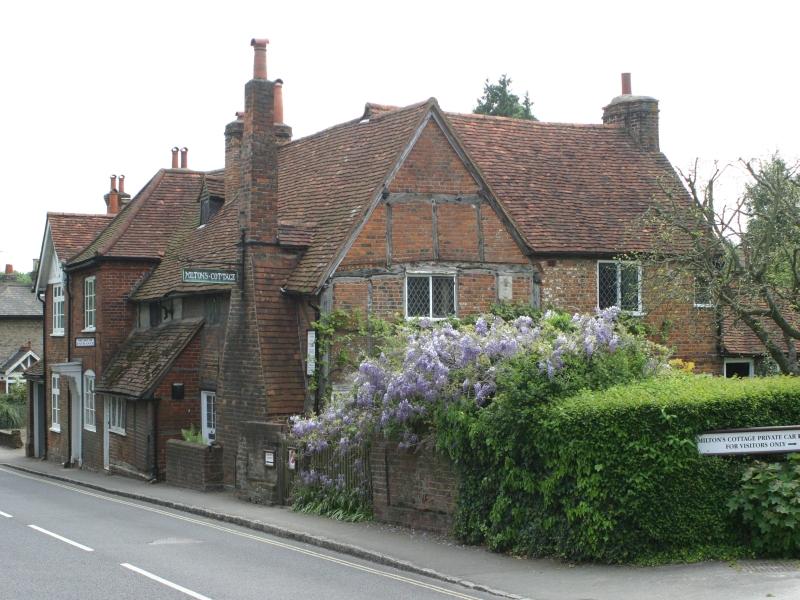 Stile rustico il cottage for Stile cottage inglese