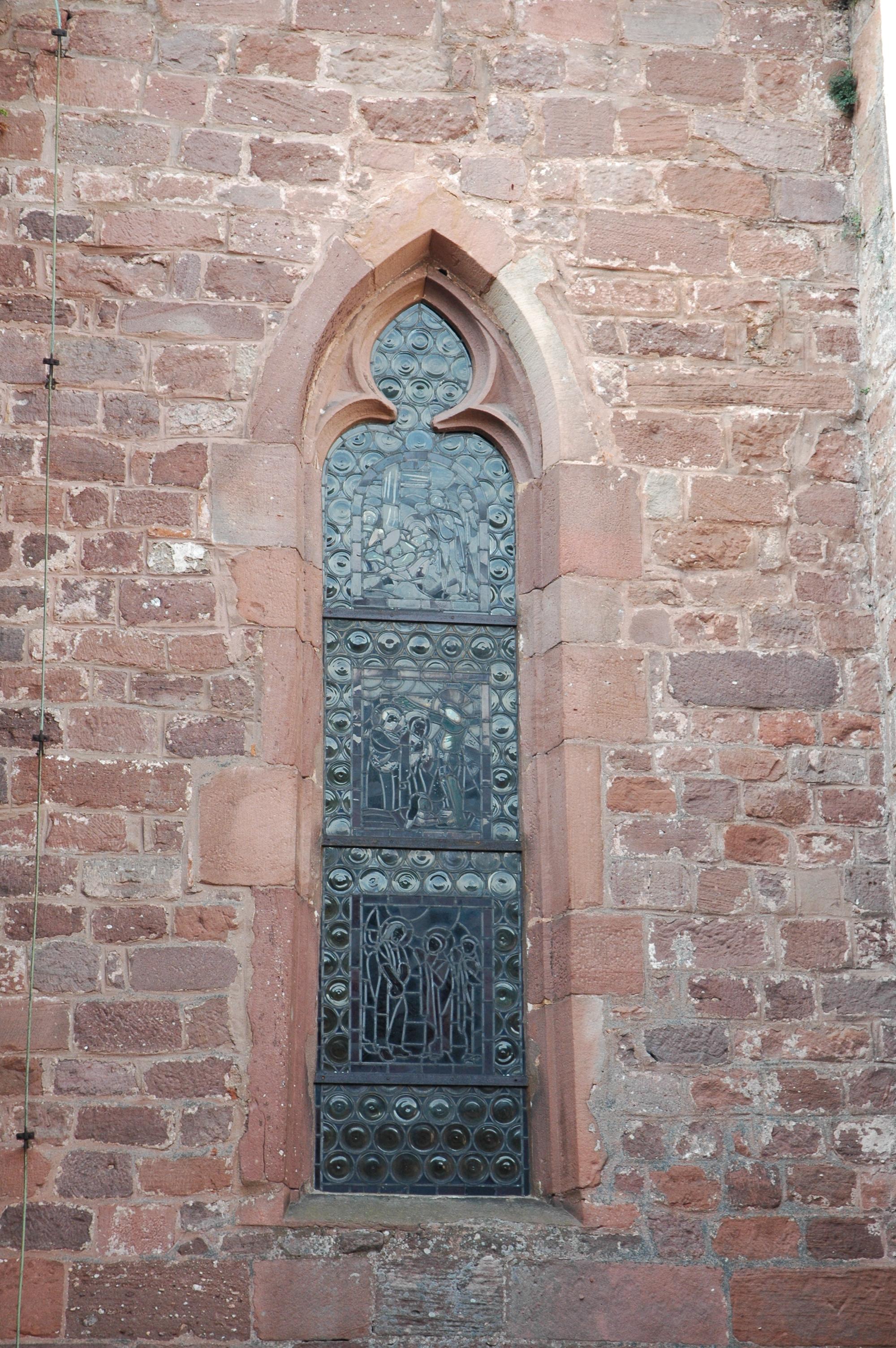 File mont sainte odile fen tre gothique vestige de l for Fenetre gothique