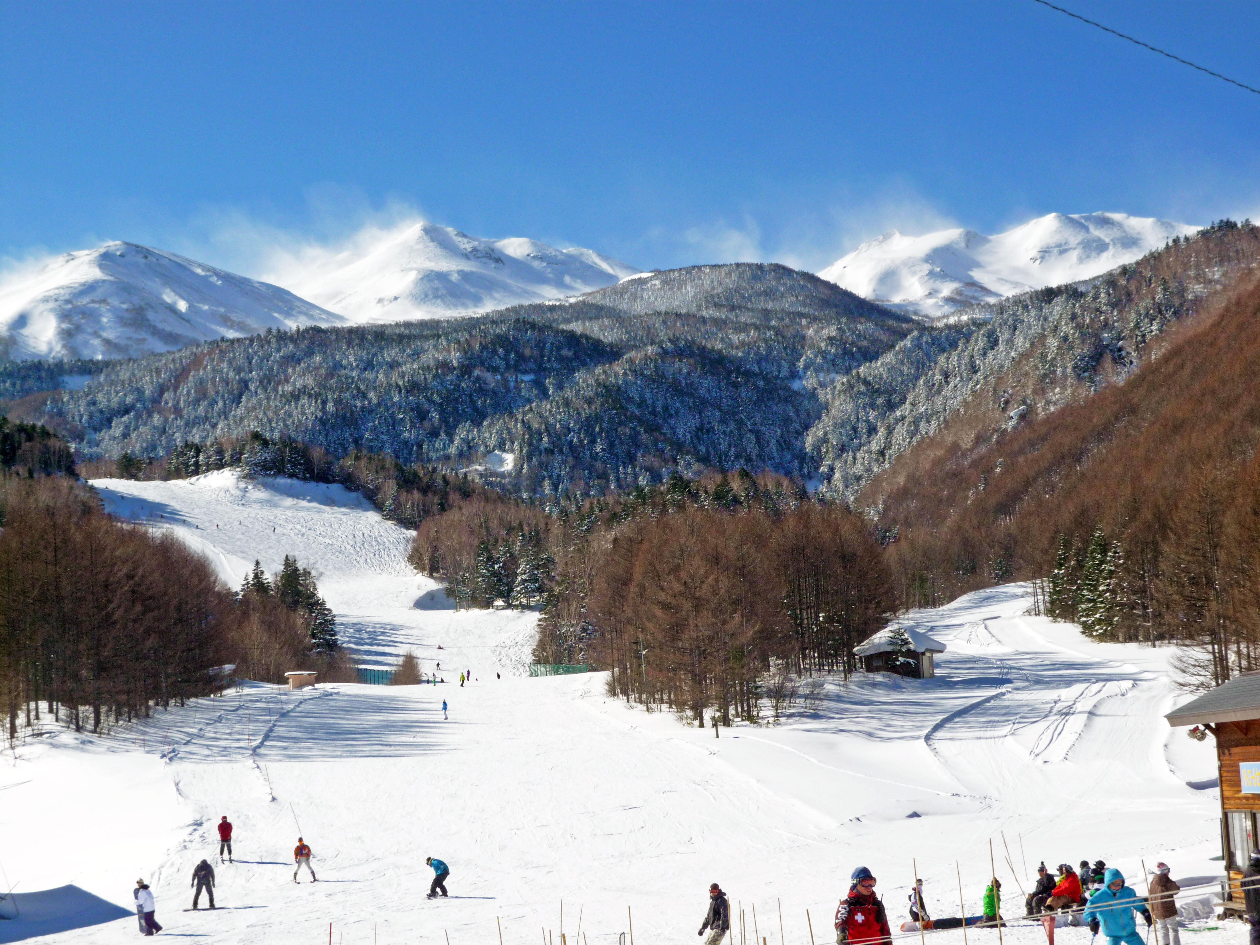 File:Norikura Kogen Snow + Spa Resort.jpg - Wikimedia Commons