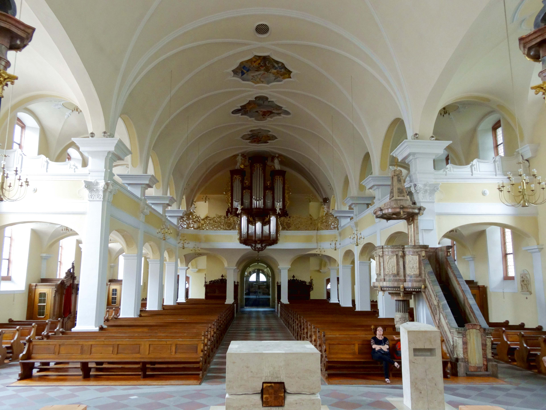 File:Offenburg, Heilig-Kreuz-Kirche, Innenansicht, Blick