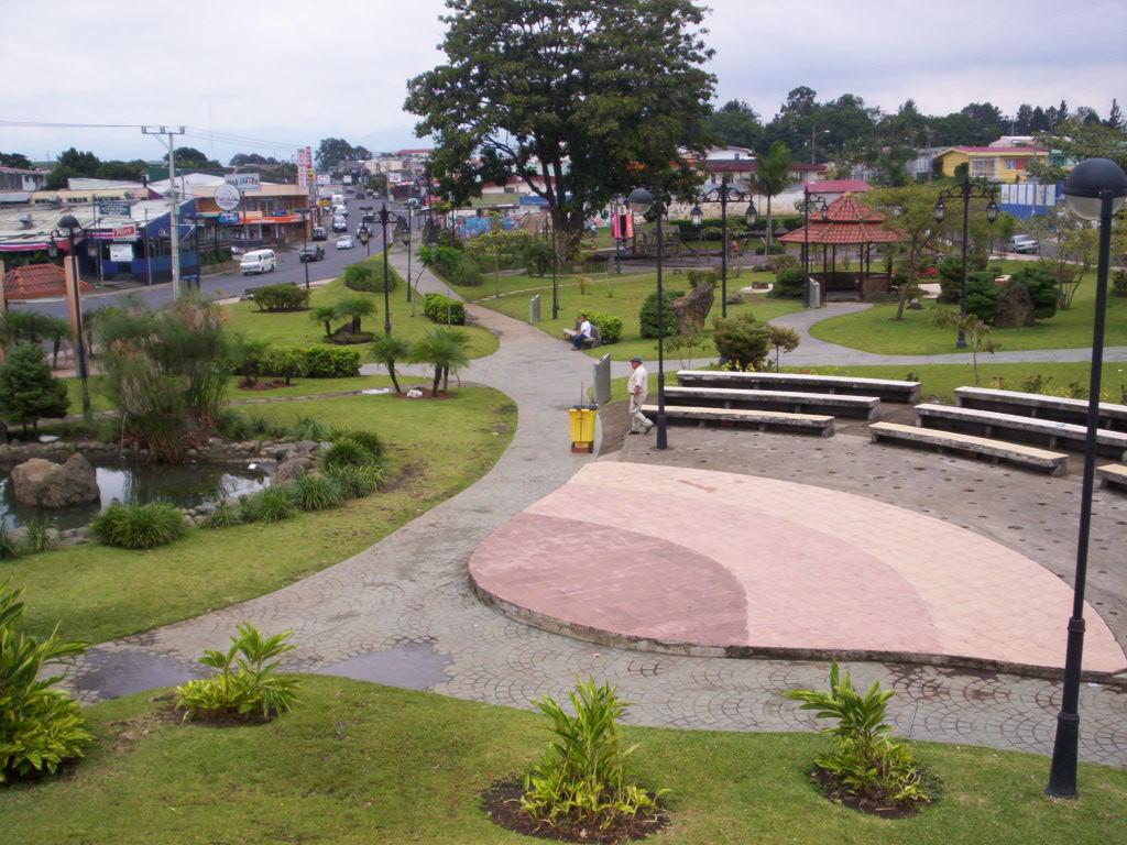 Parque okayama taringa for Jardines okayama