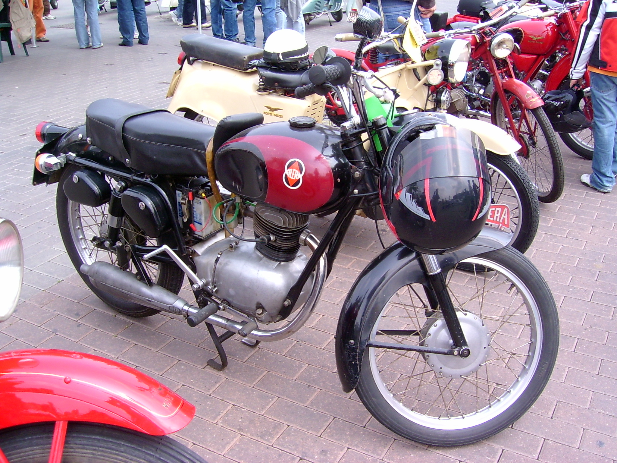 Old_Gilera_motorcycle.jpg (2048×1536)