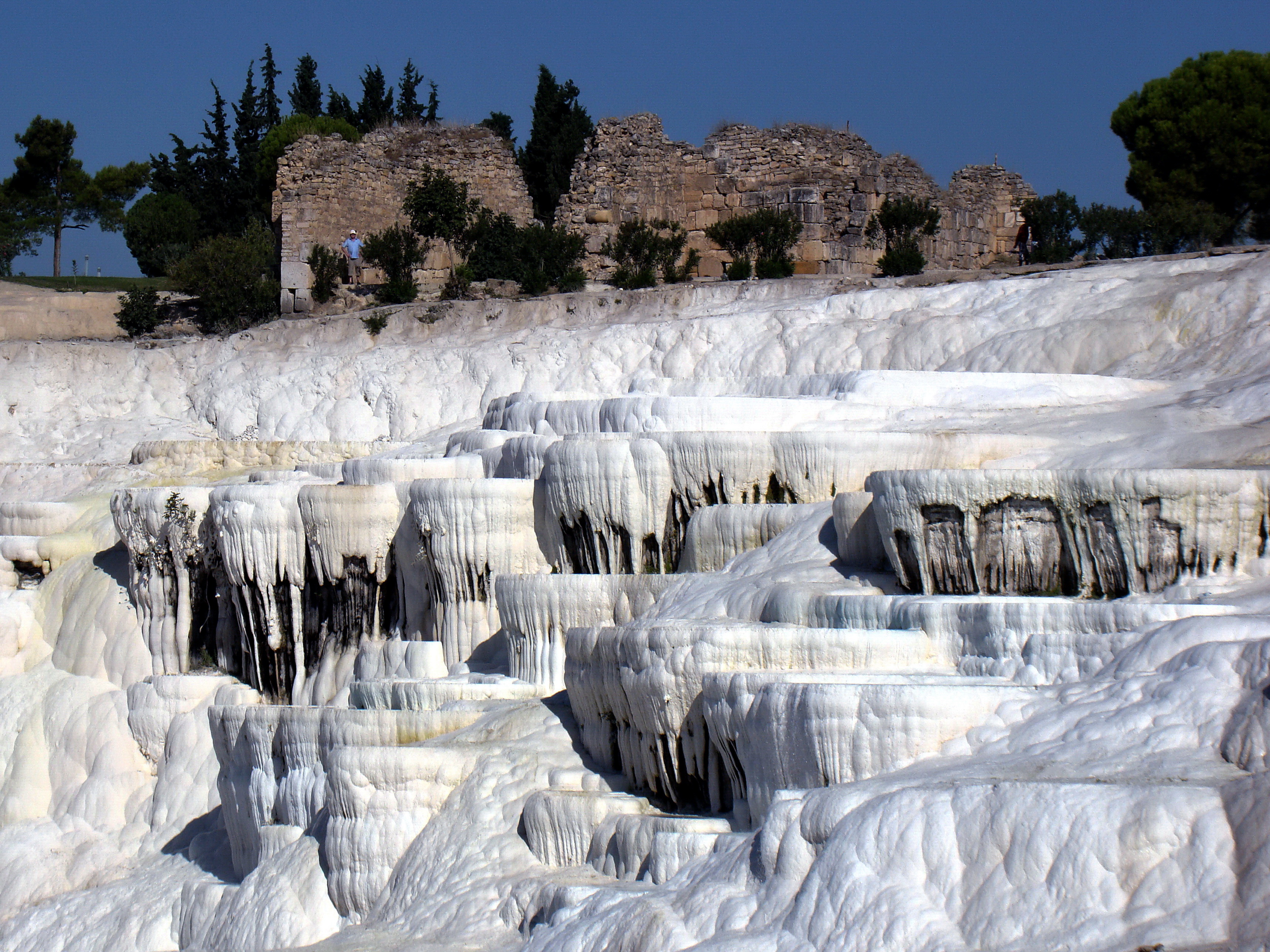File:Pamukkale (Hierapolis) Turkey.jpg - Wikimedia Commons