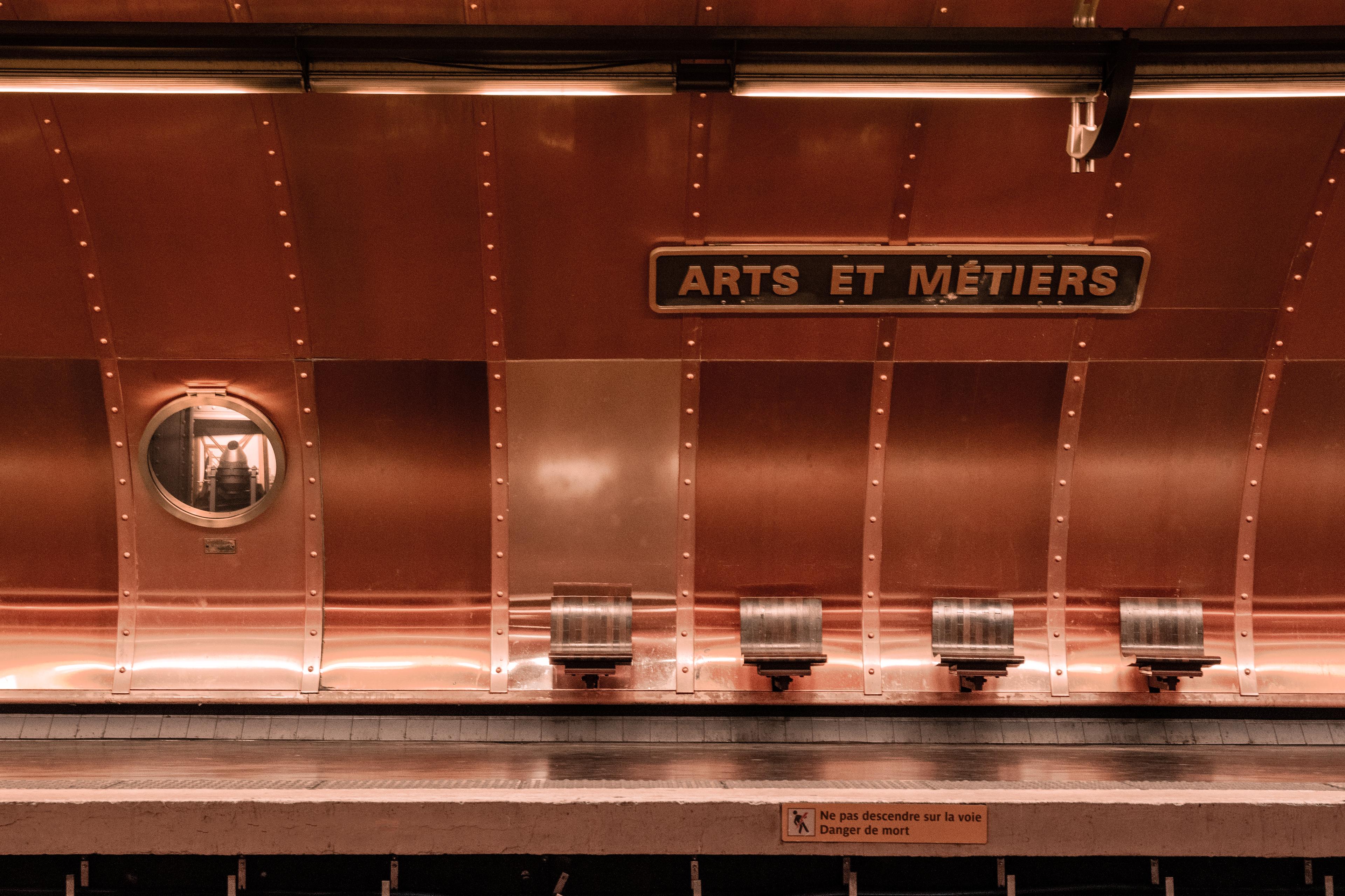 Plaque Metro Parisien Deco arts et métiers (métro de paris) — wikipédia