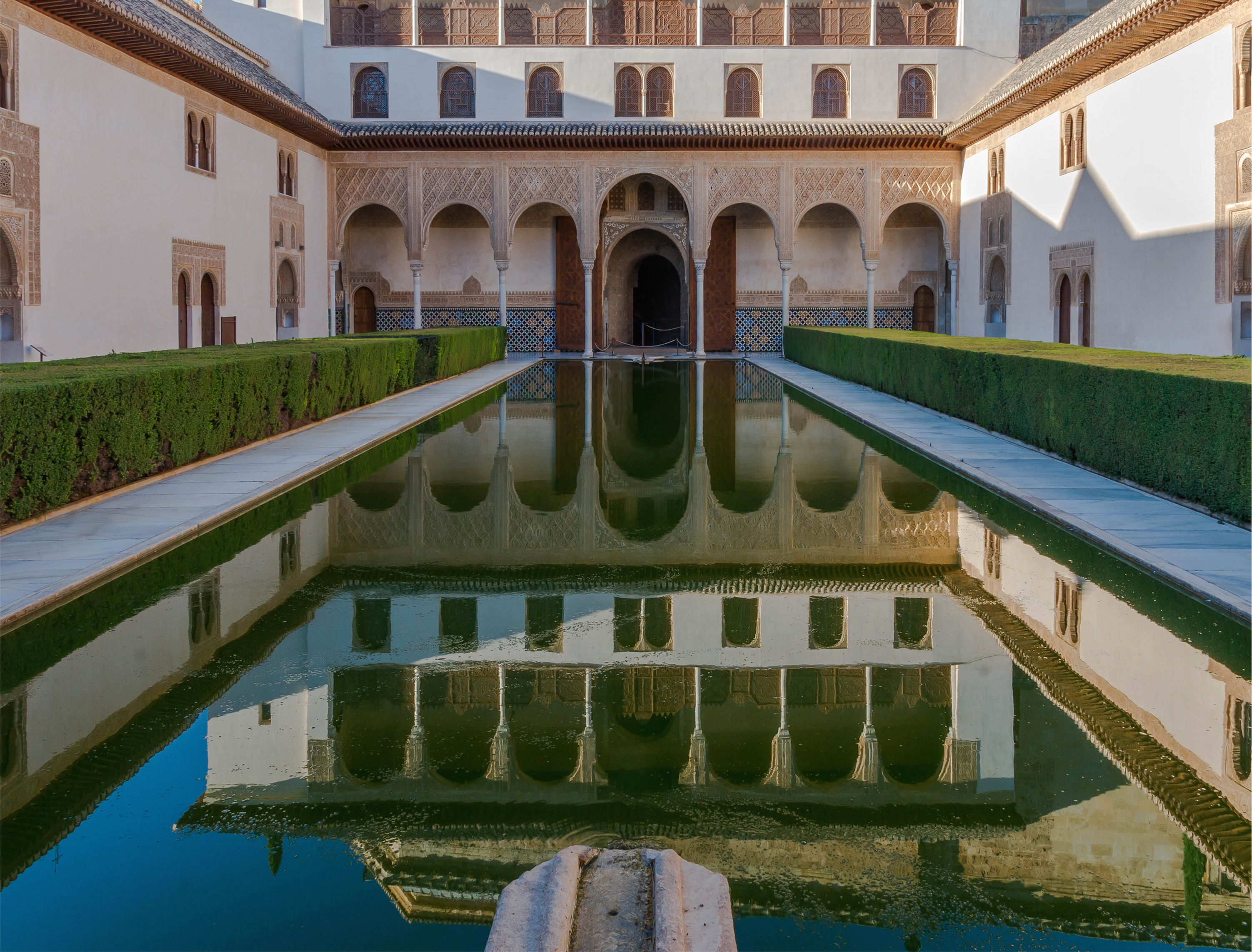 File patio de los arrayanes alhambra granada for Patios de granada