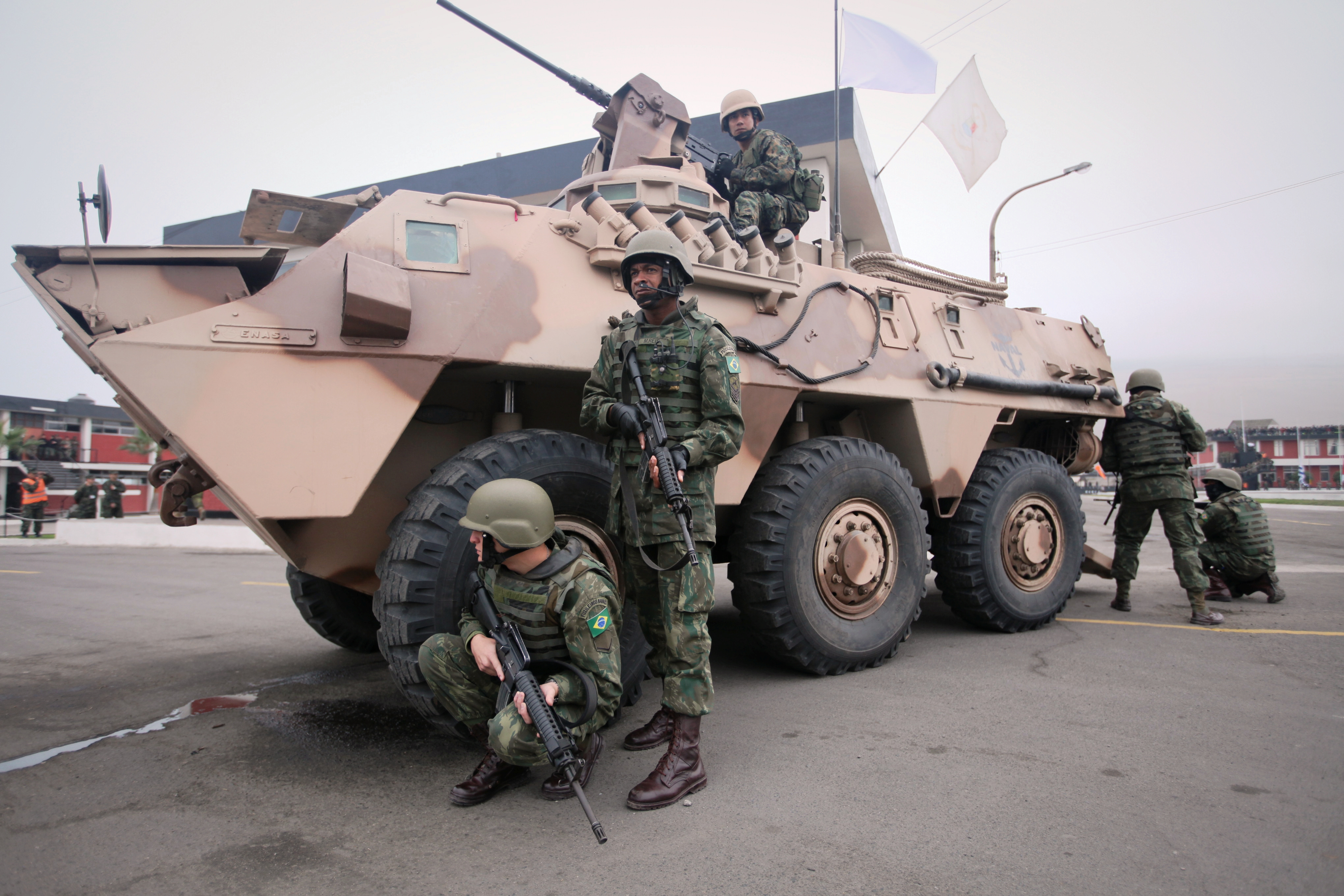 File:Peruvian BMR armored personnel carrier.JPG ...