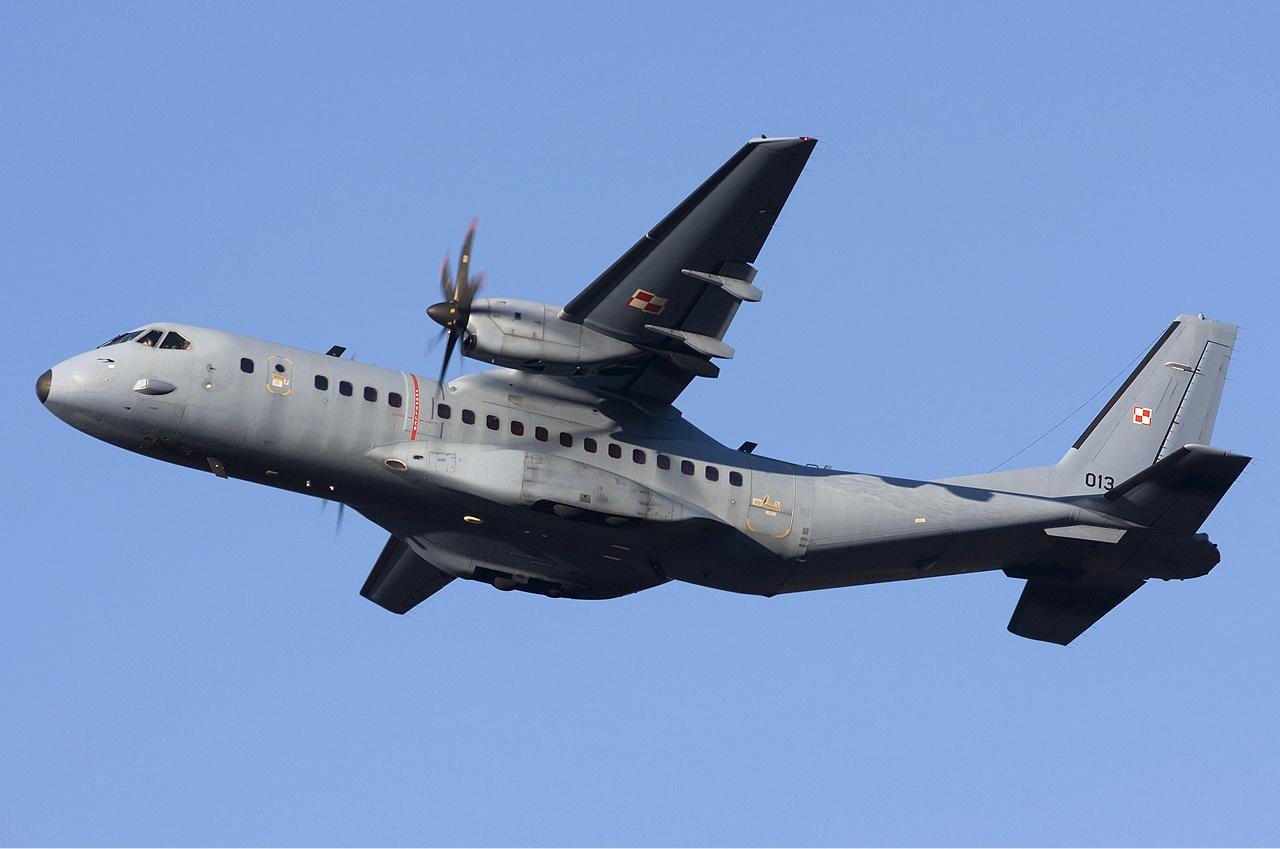 صناعة الدفاع الاسبانية Polish_Air_Force_CASA_C-295M_Lofting