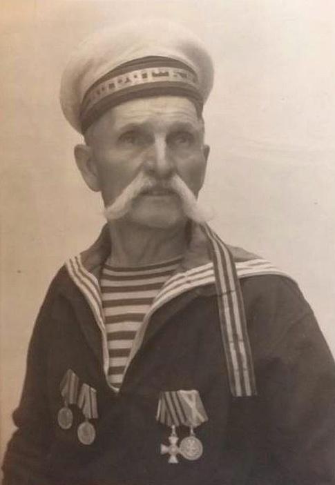 Адольф Доминикович воевал в русско-японскую, а награды за это получил при Сталине !