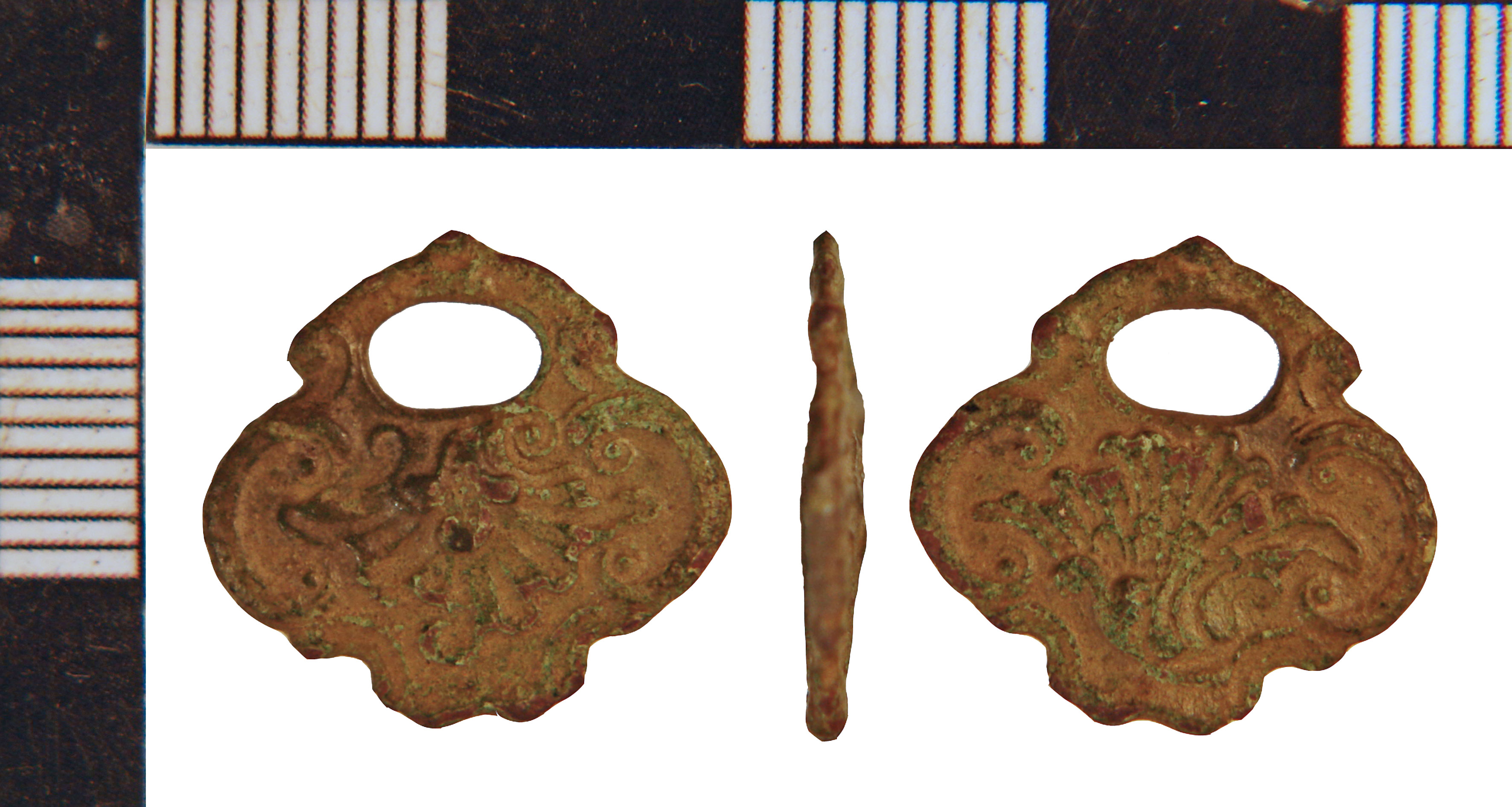 File:Post-Medieval Watch Winder fragment (FindID 647227).jpg