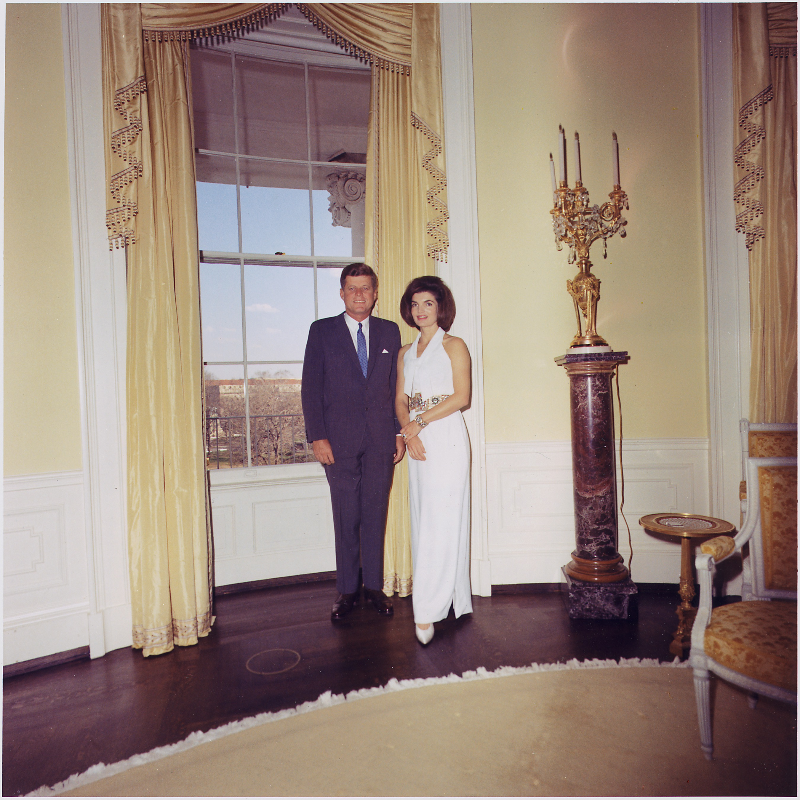 File president and first lady portrait photograph president kennedy