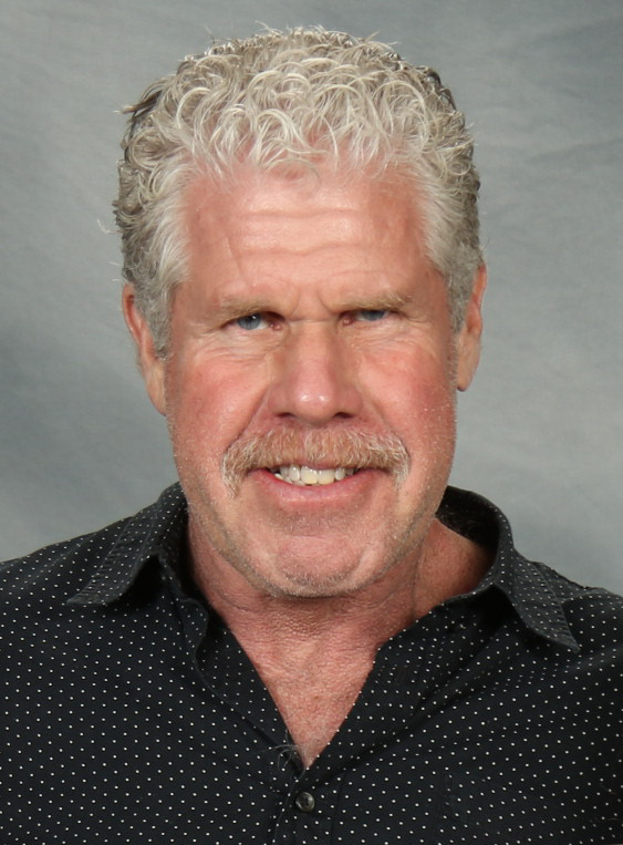 Il 68-anni, 188 cm alto Ron Perlman in 2018 photo