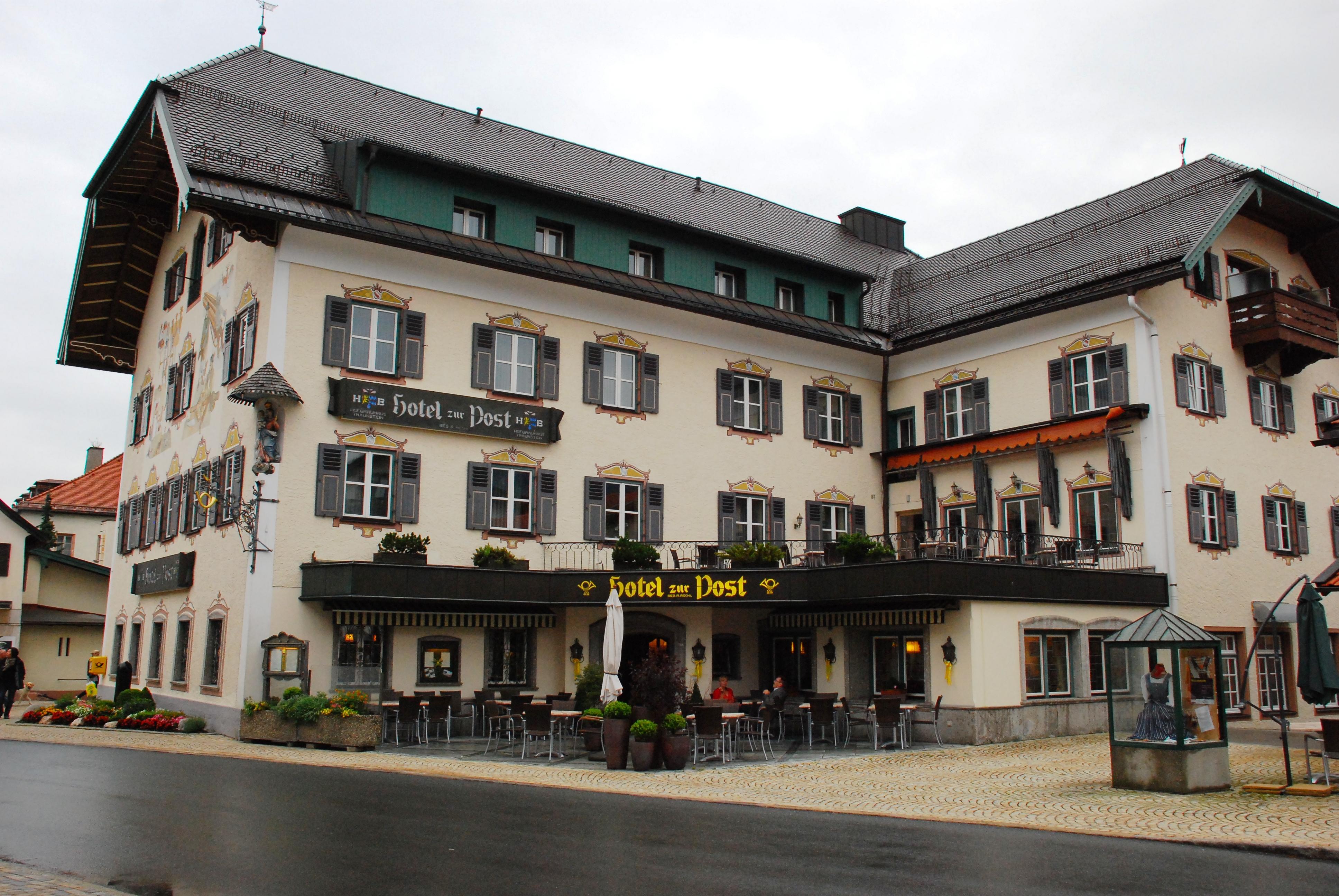 Hotel Zur Post Momart