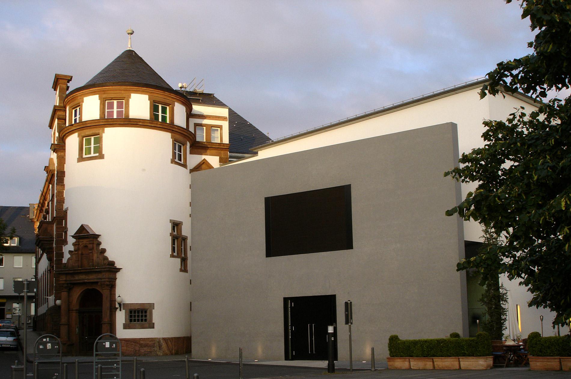 Описание siegen museum fuer gegenwartskunst