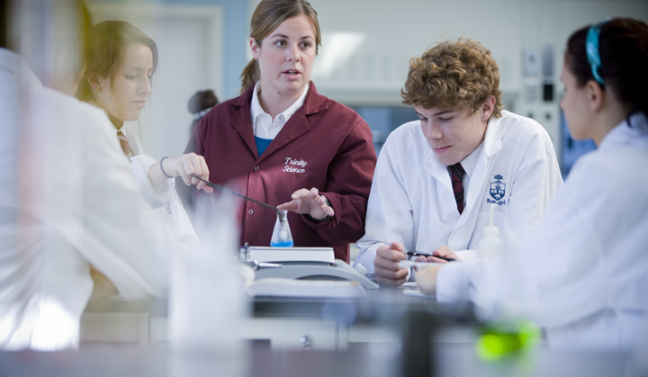 File:Students in chemistry class.jpg - Wikimedia Commons