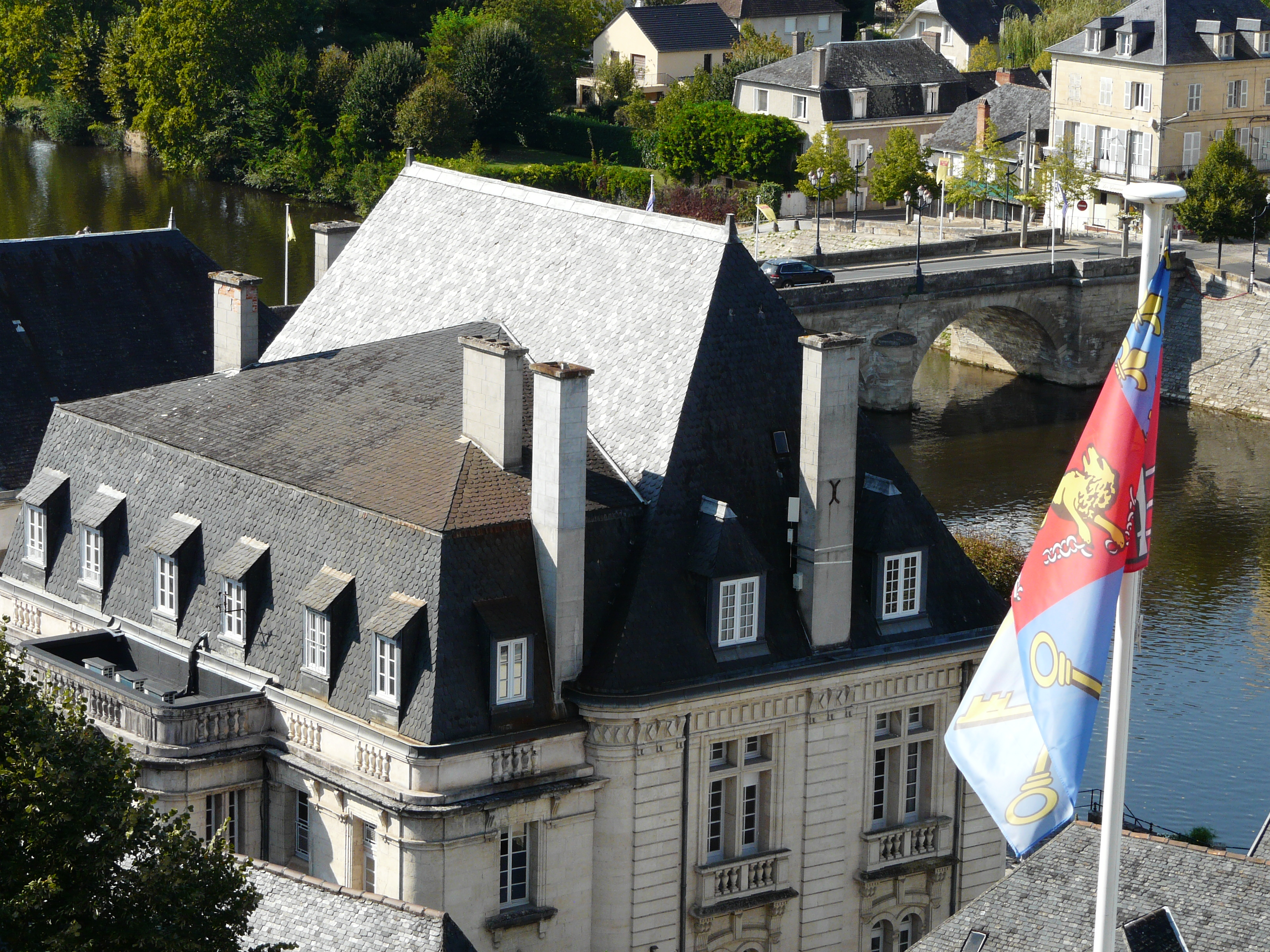 File Terrasson Mairie Toits Jpg Wikimedia Commons