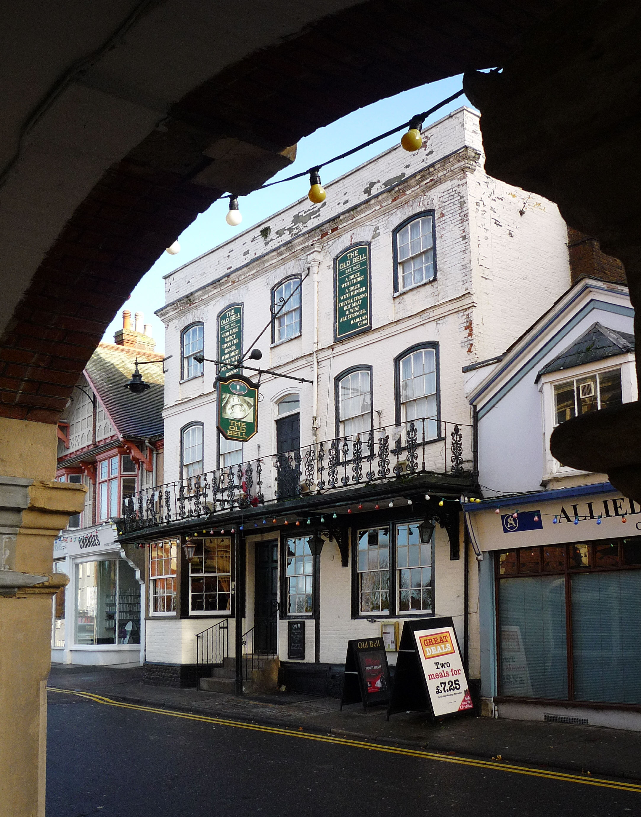 hemel hempstead online dating Dating back from the 17th-century and located a 5 minutes' walk from hemel hempstead train station, this family-run hotel offers free parking, free wi-fi.
