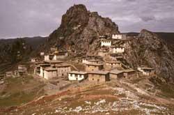 Bön-Kloster Khyungpori Tsedruk in Nord-Tibet (AGT)