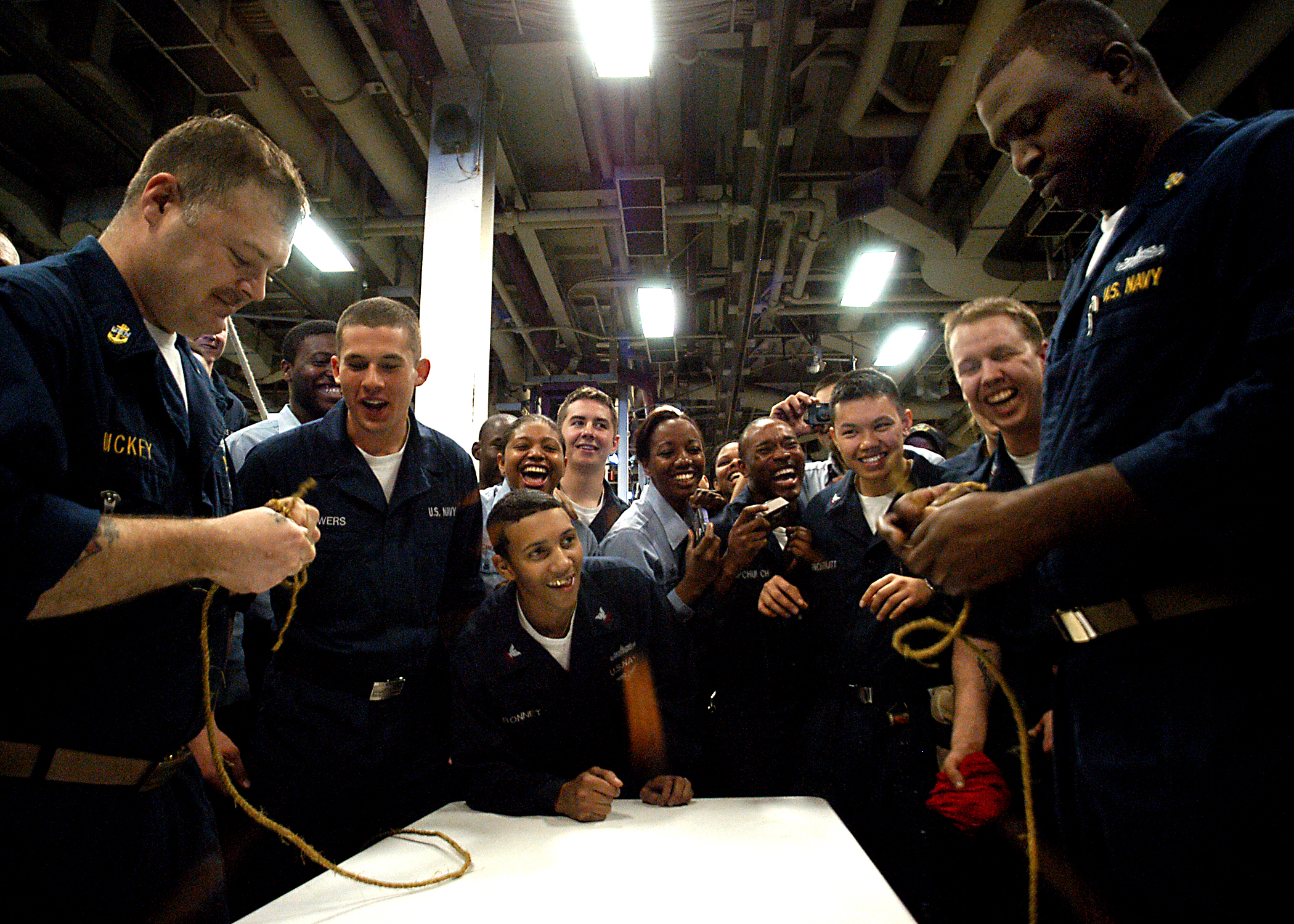 File:US Navy 030329-N-4048T-088 Chief Boatswain's Mates
