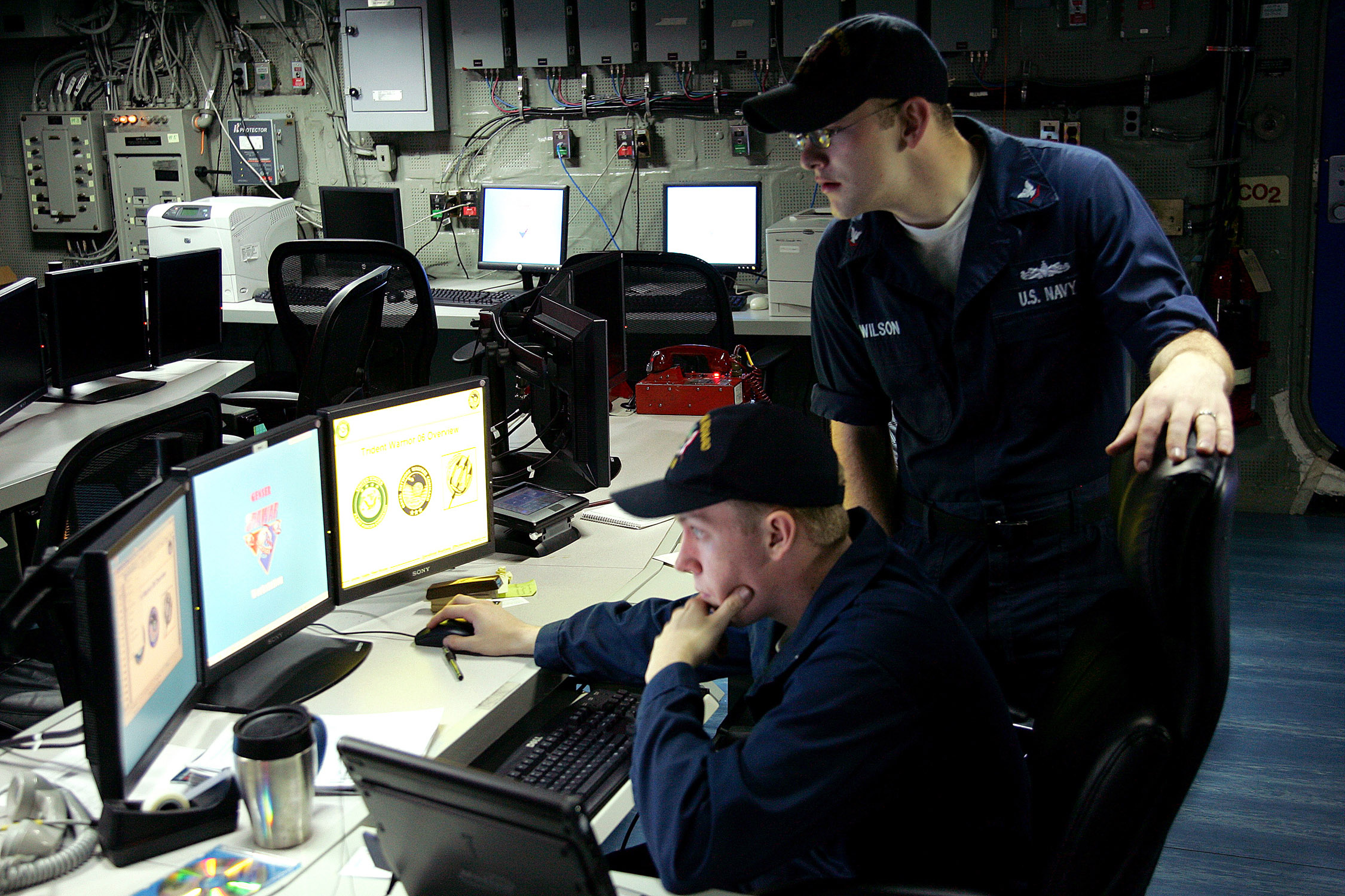 File:US Navy 060612-N-9102N-003 Sailors aboard the amphibious ...