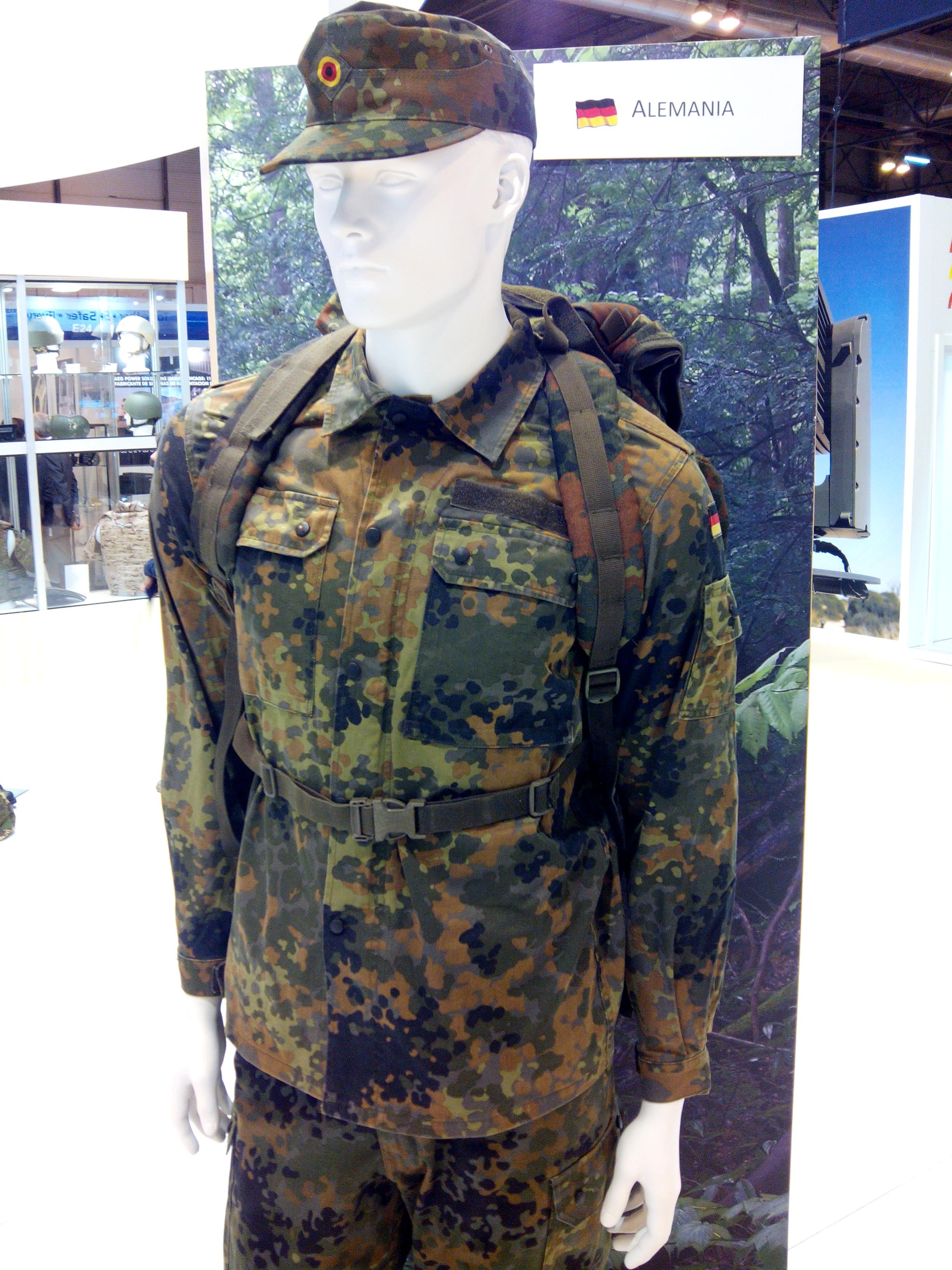 6ea9308a53094 German Flecktarn uniform in 2015