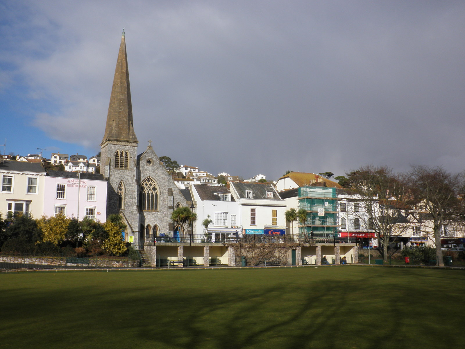 File:View across the bowling green, Dawlish - geograph org