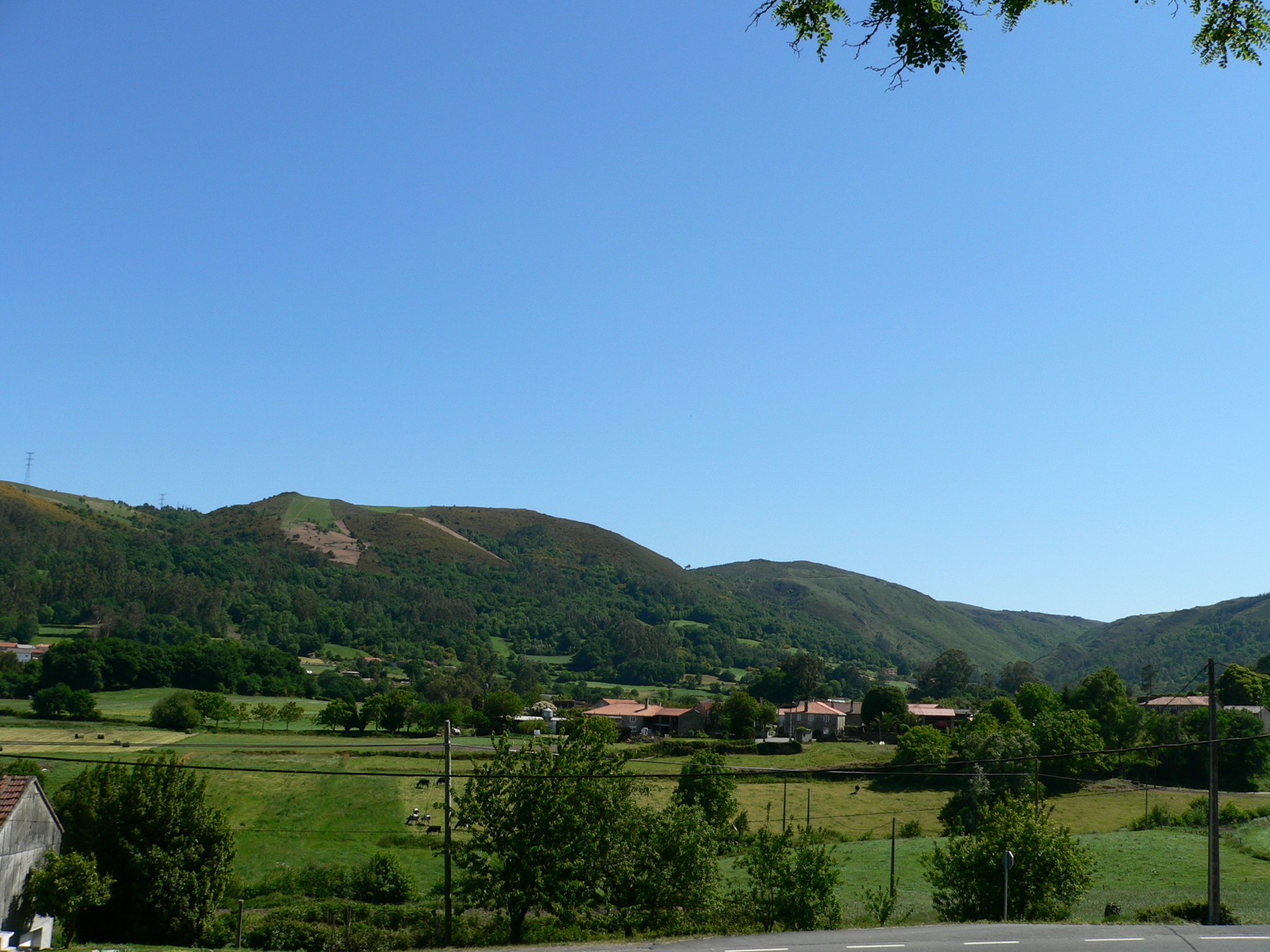 File:Vila de Cruces, Pontevedra, Spain - panoramio.jpg - Wikimedia ...