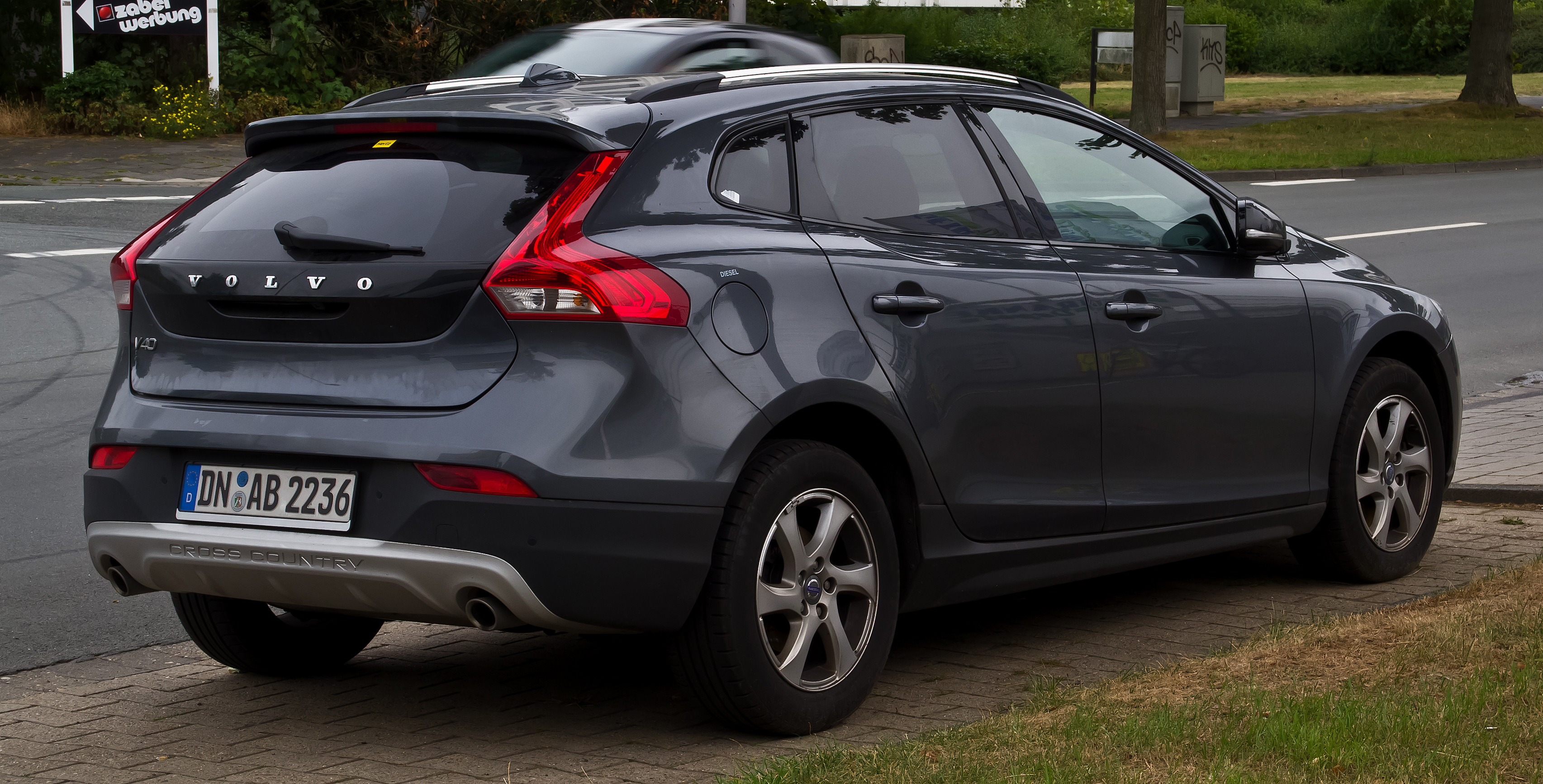 volvo v40 cross country manual